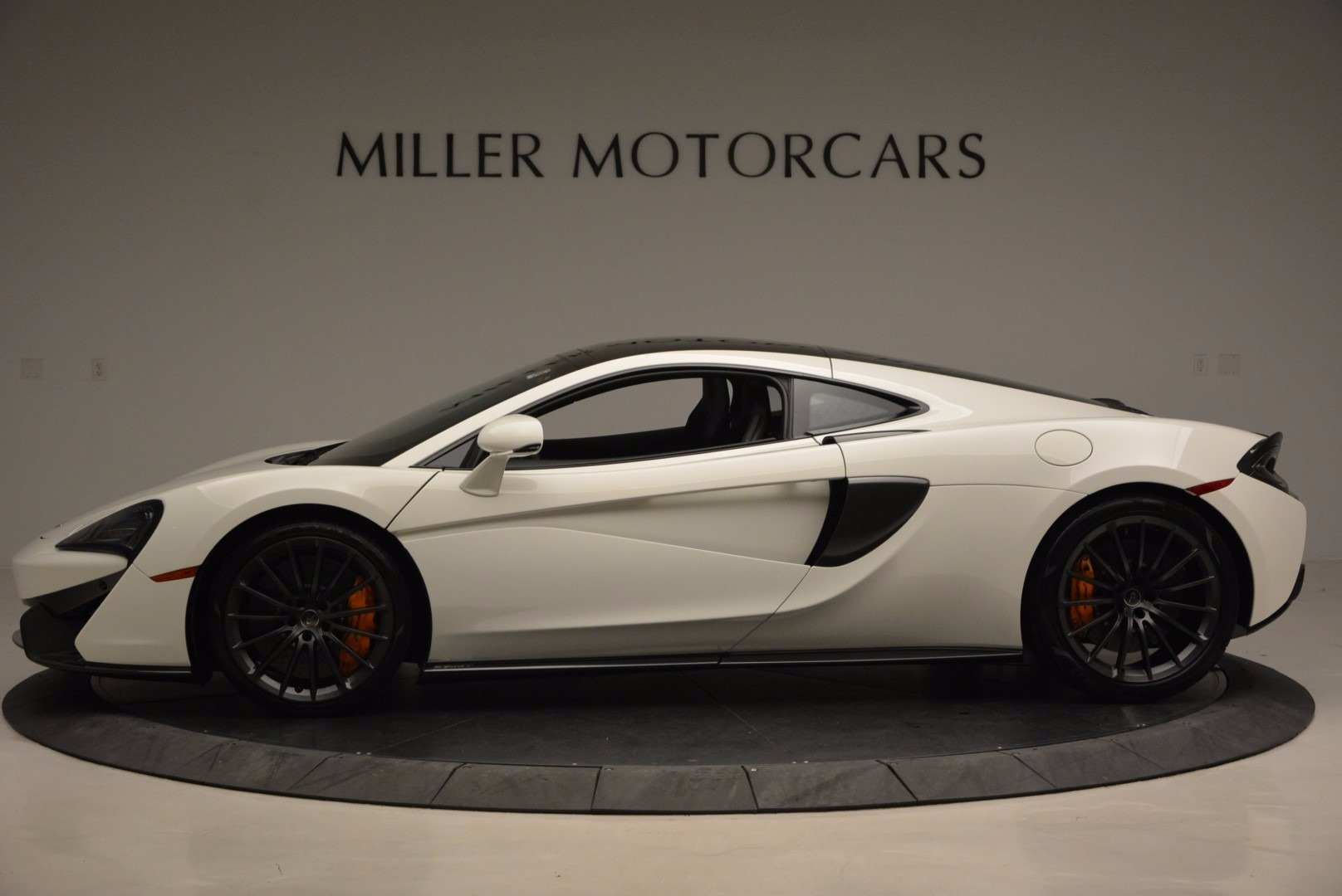 Used 2017 McLaren 570GT  For Sale In Greenwich, CT 1455_p3