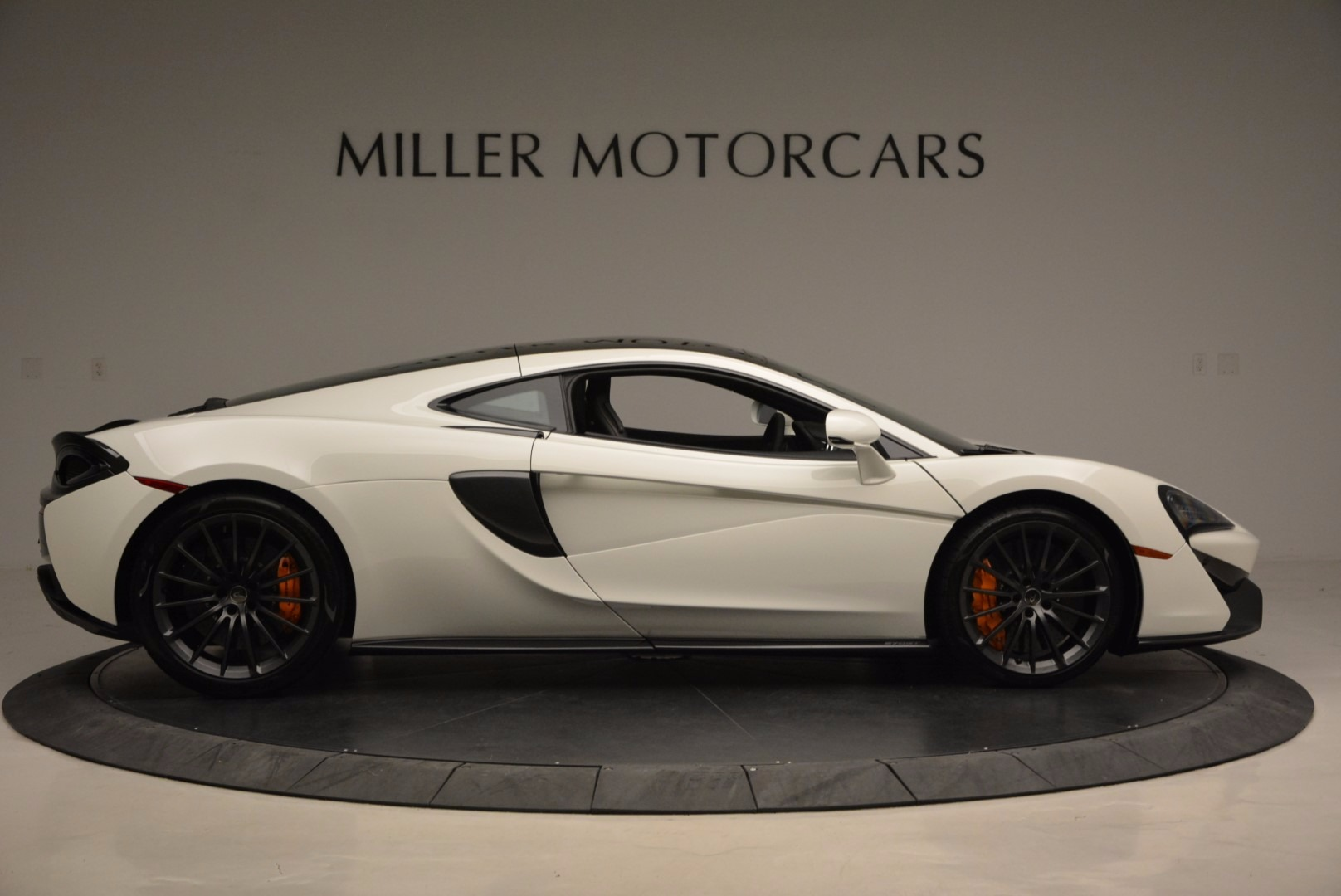 Used 2017 McLaren 570GT  For Sale In Greenwich, CT 1455_p9
