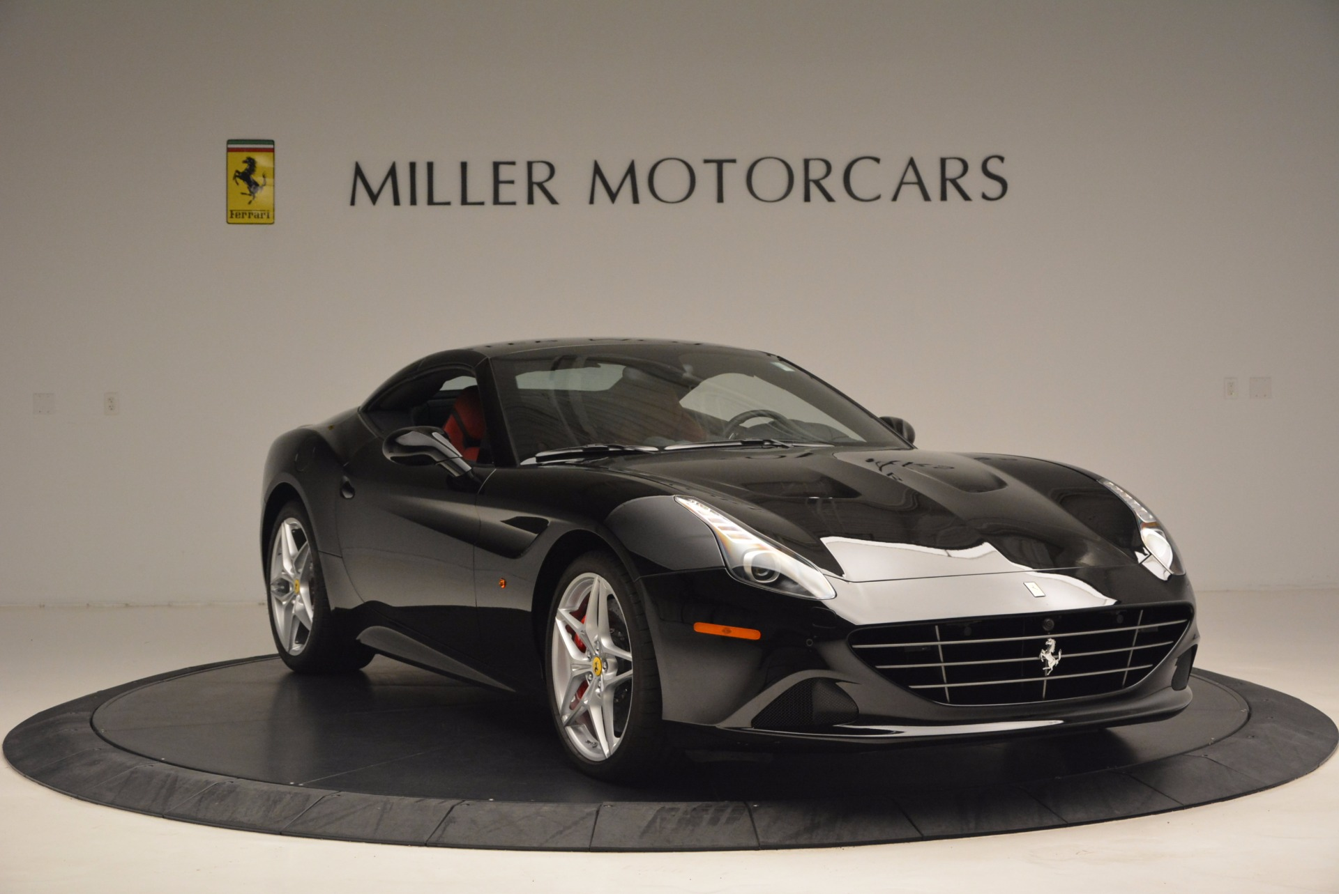 Used 2016 Ferrari California T Handling Speciale For Sale In Greenwich, CT 1458_p23