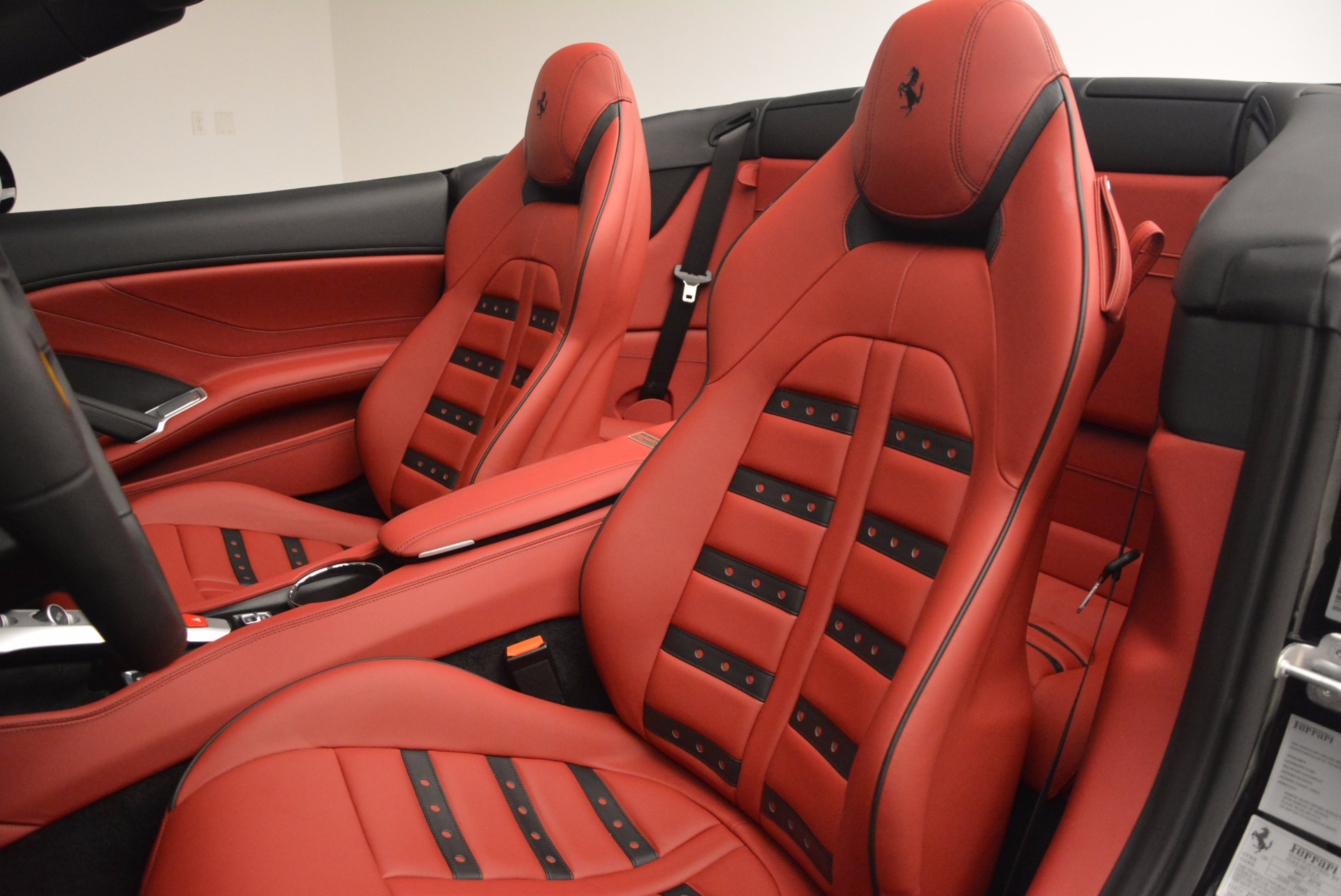 Used 2016 Ferrari California T Handling Speciale For Sale In Greenwich, CT 1458_p27