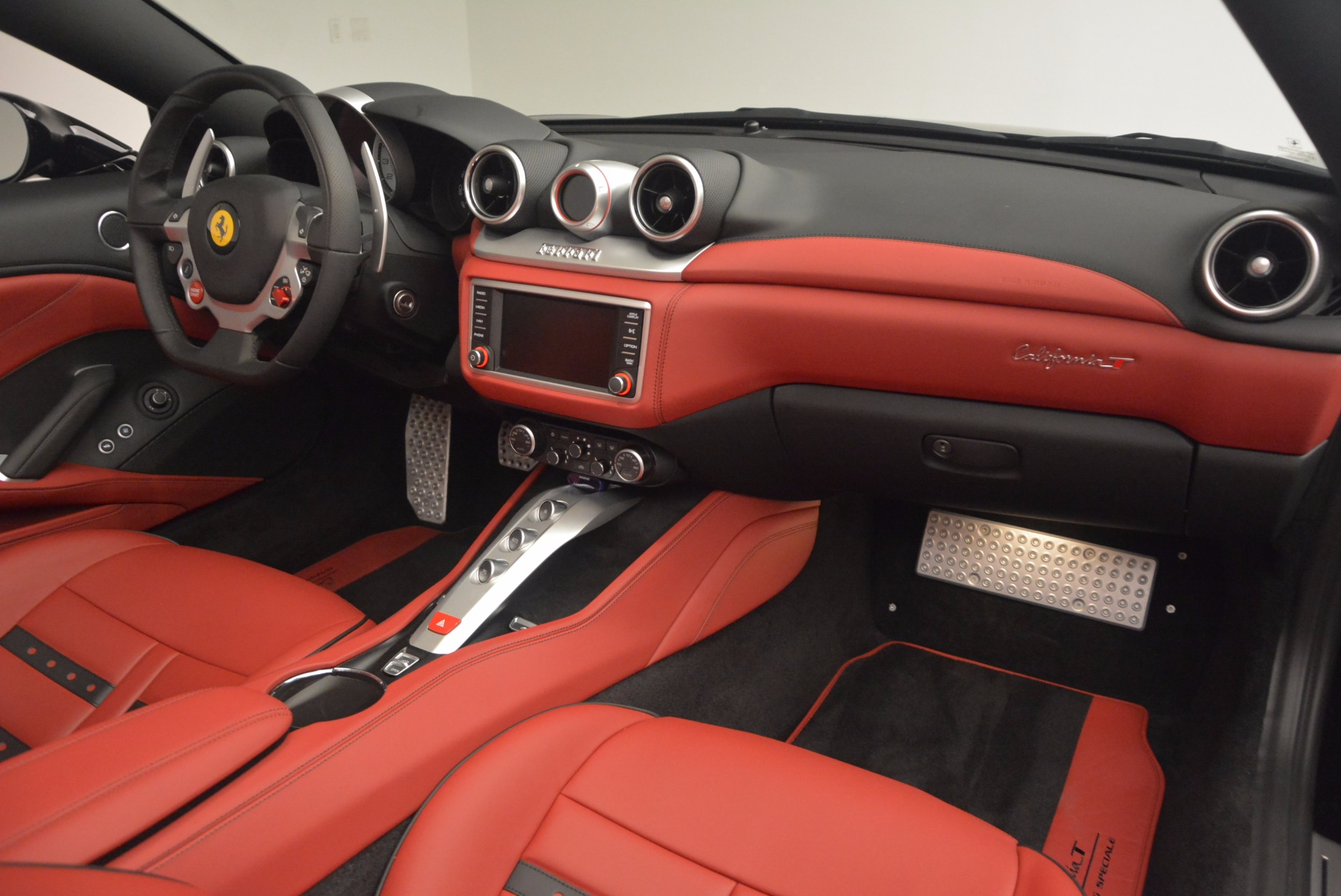 Used 2016 Ferrari California T Handling Speciale For Sale In Greenwich, CT 1458_p30