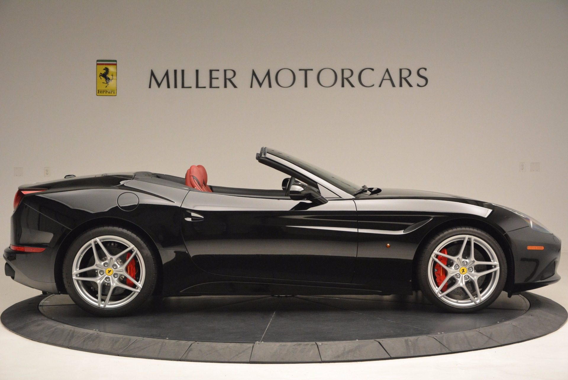 Used 2016 Ferrari California T Handling Speciale For Sale In Greenwich, CT 1458_p9