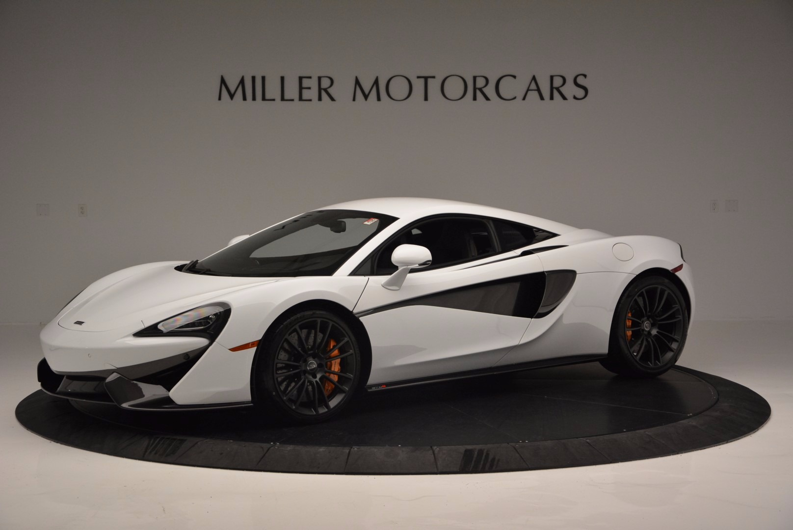 Used 2016 McLaren 570S  For Sale In Greenwich, CT 1464_p2