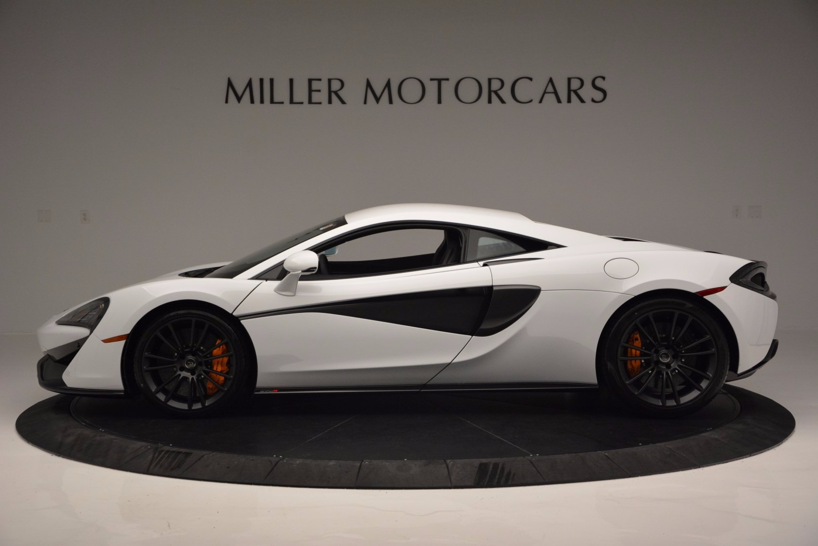 Used 2016 McLaren 570S  For Sale In Greenwich, CT 1464_p3