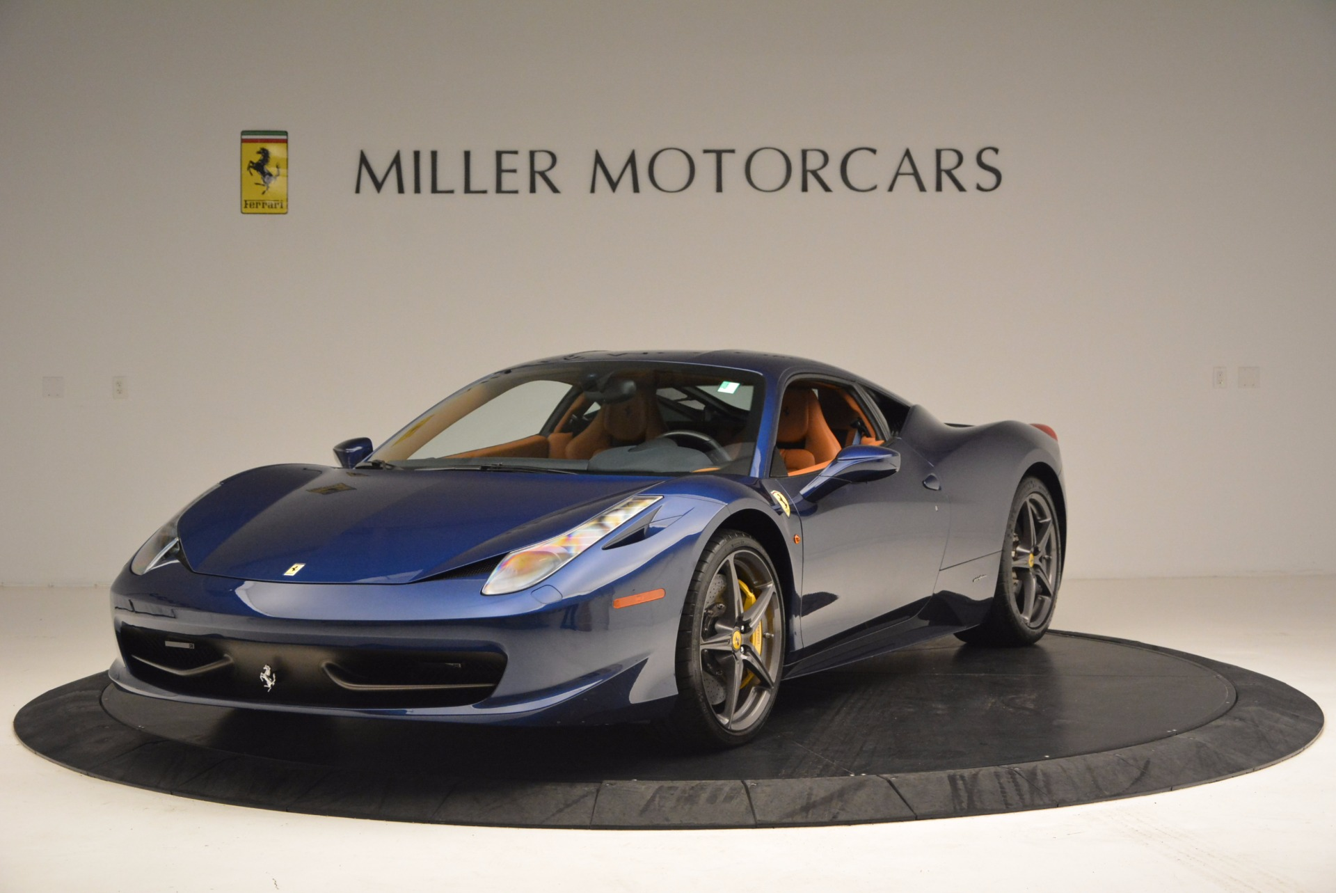 Used 2013 Ferrari 458 Italia  For Sale In Greenwich, CT 1465_main