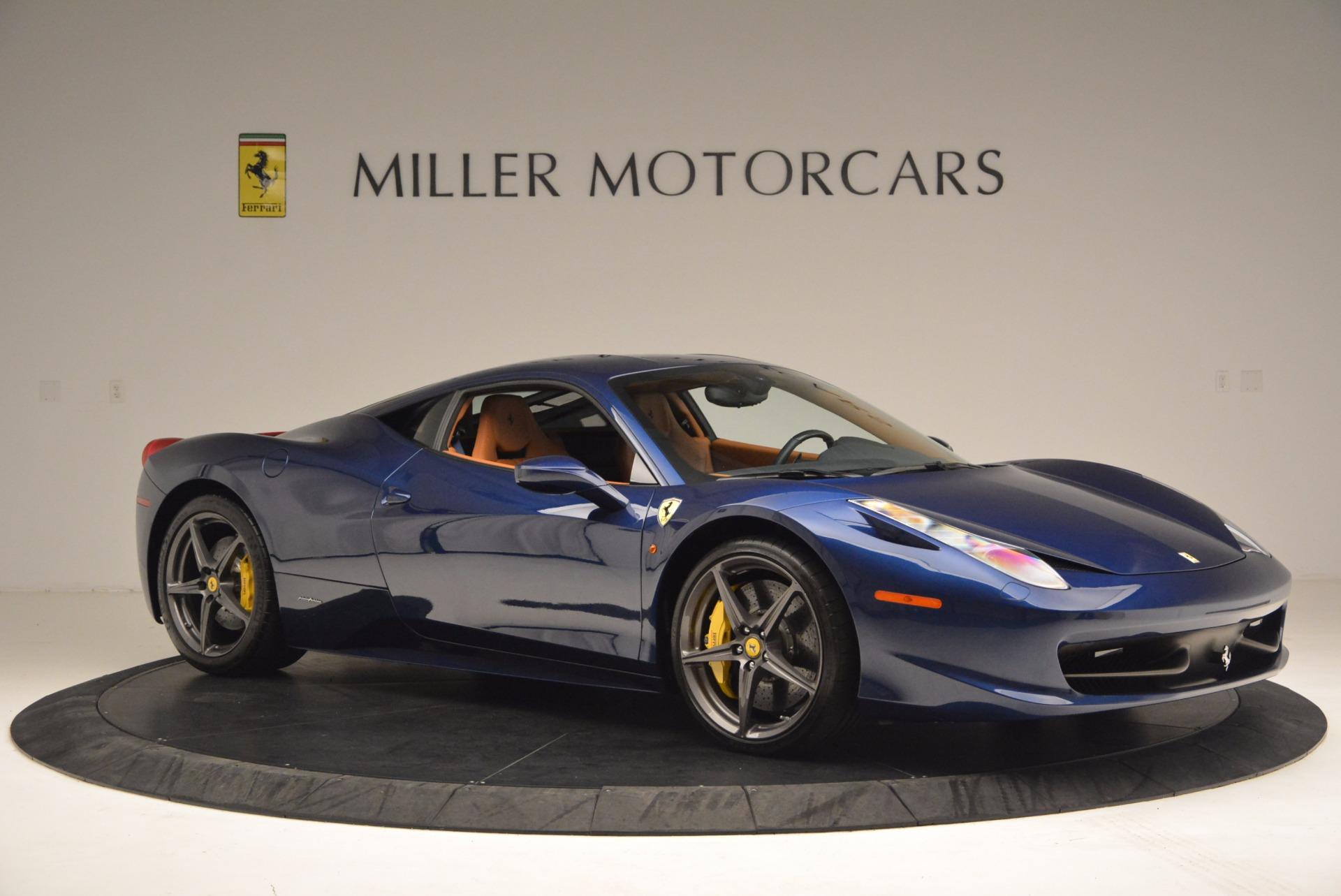 Used 2013 Ferrari 458 Italia  For Sale In Greenwich, CT 1465_p10