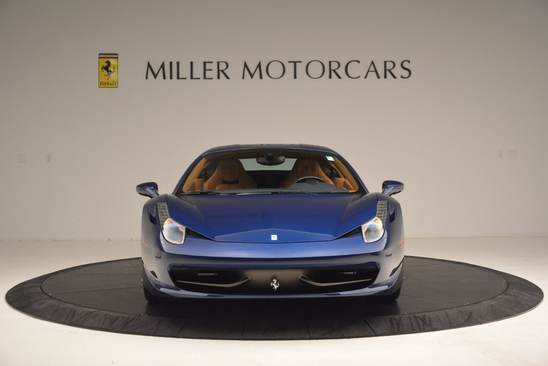 Used 2013 Ferrari 458 Italia  For Sale In Greenwich, CT 1465_p12
