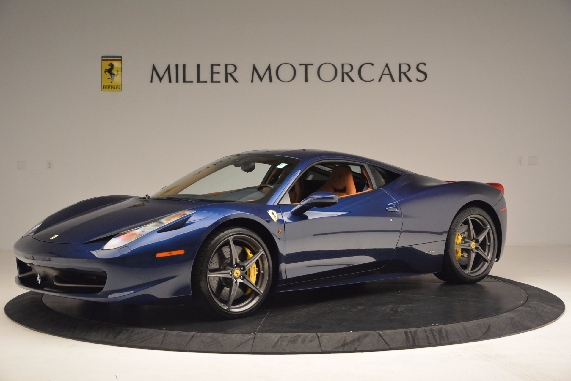 Used 2013 Ferrari 458 Italia  For Sale In Greenwich, CT 1465_p2
