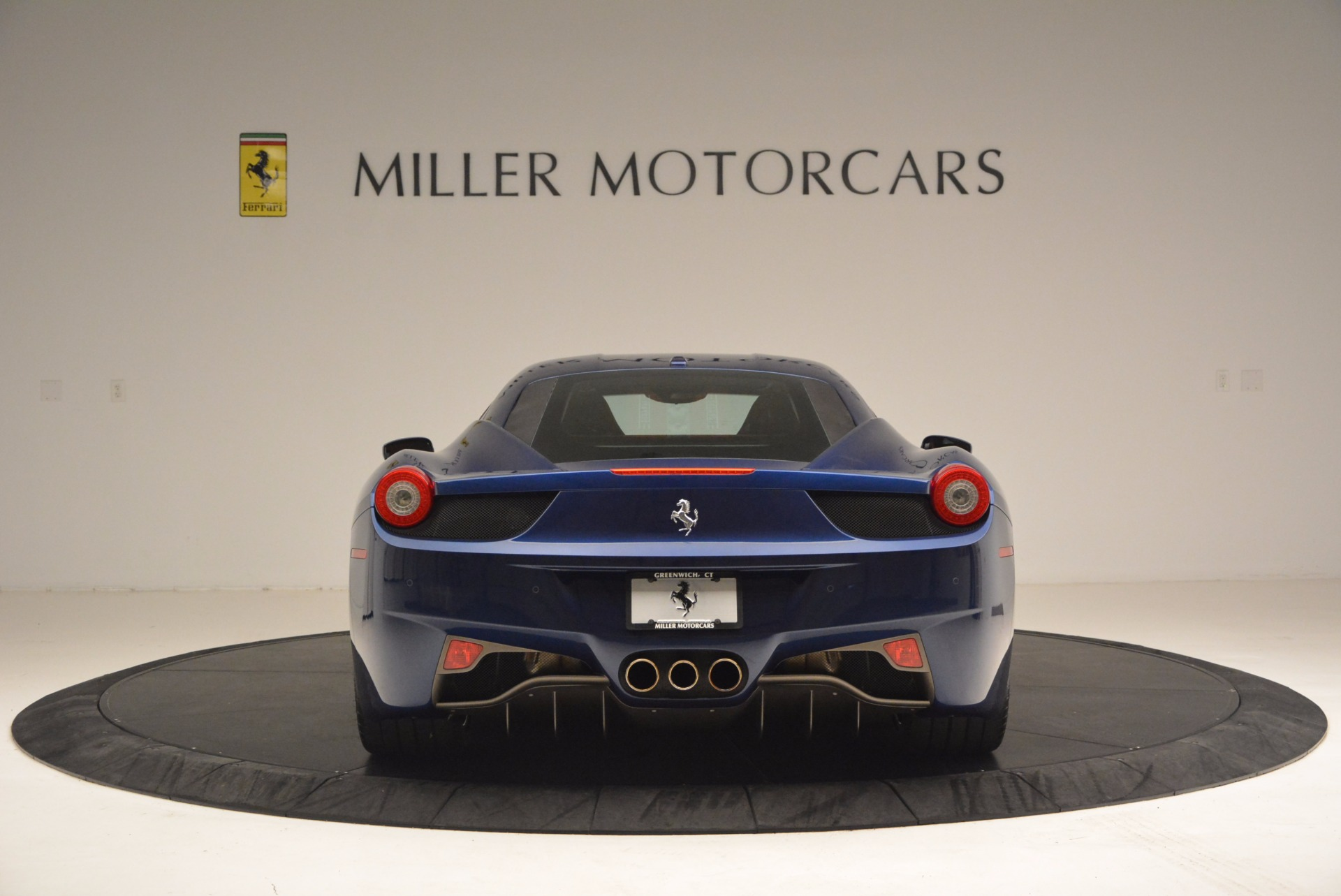 Used 2013 Ferrari 458 Italia  For Sale In Greenwich, CT 1465_p6