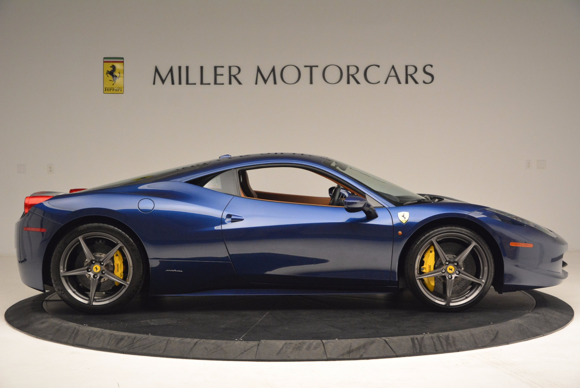 Used 2013 Ferrari 458 Italia  For Sale In Greenwich, CT 1465_p9