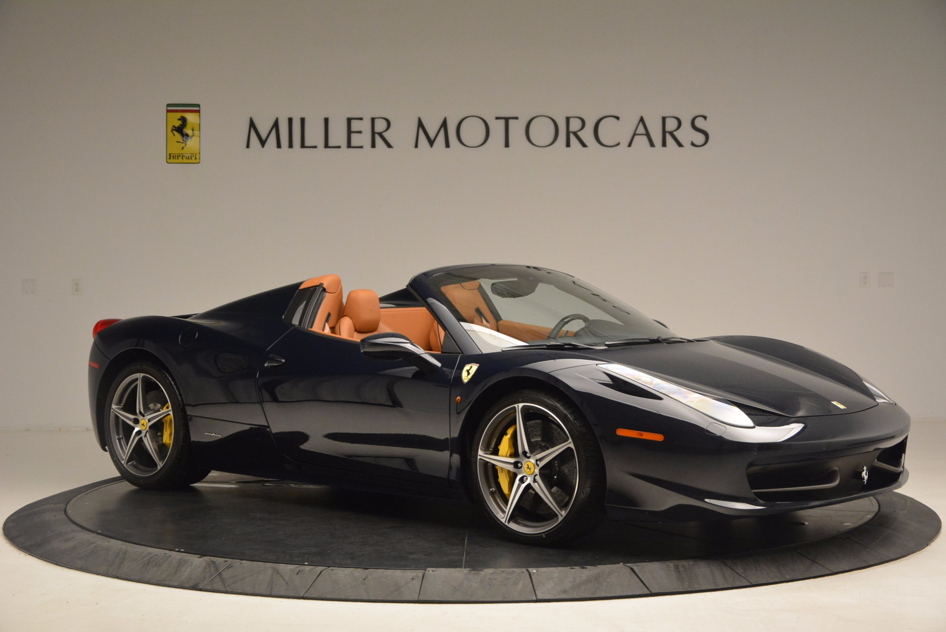 Used 2015 Ferrari 458 Spider  For Sale In Greenwich, CT 1477_p10