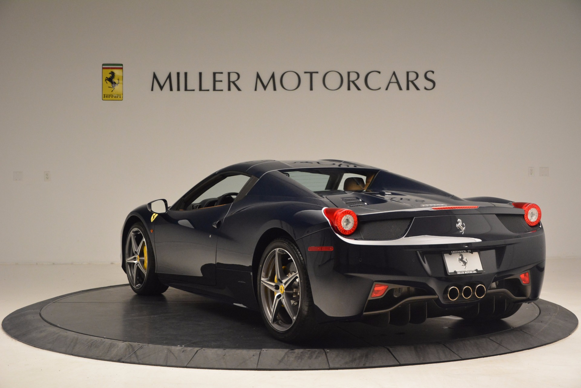 Used 2015 Ferrari 458 Spider  For Sale In Greenwich, CT 1477_p15