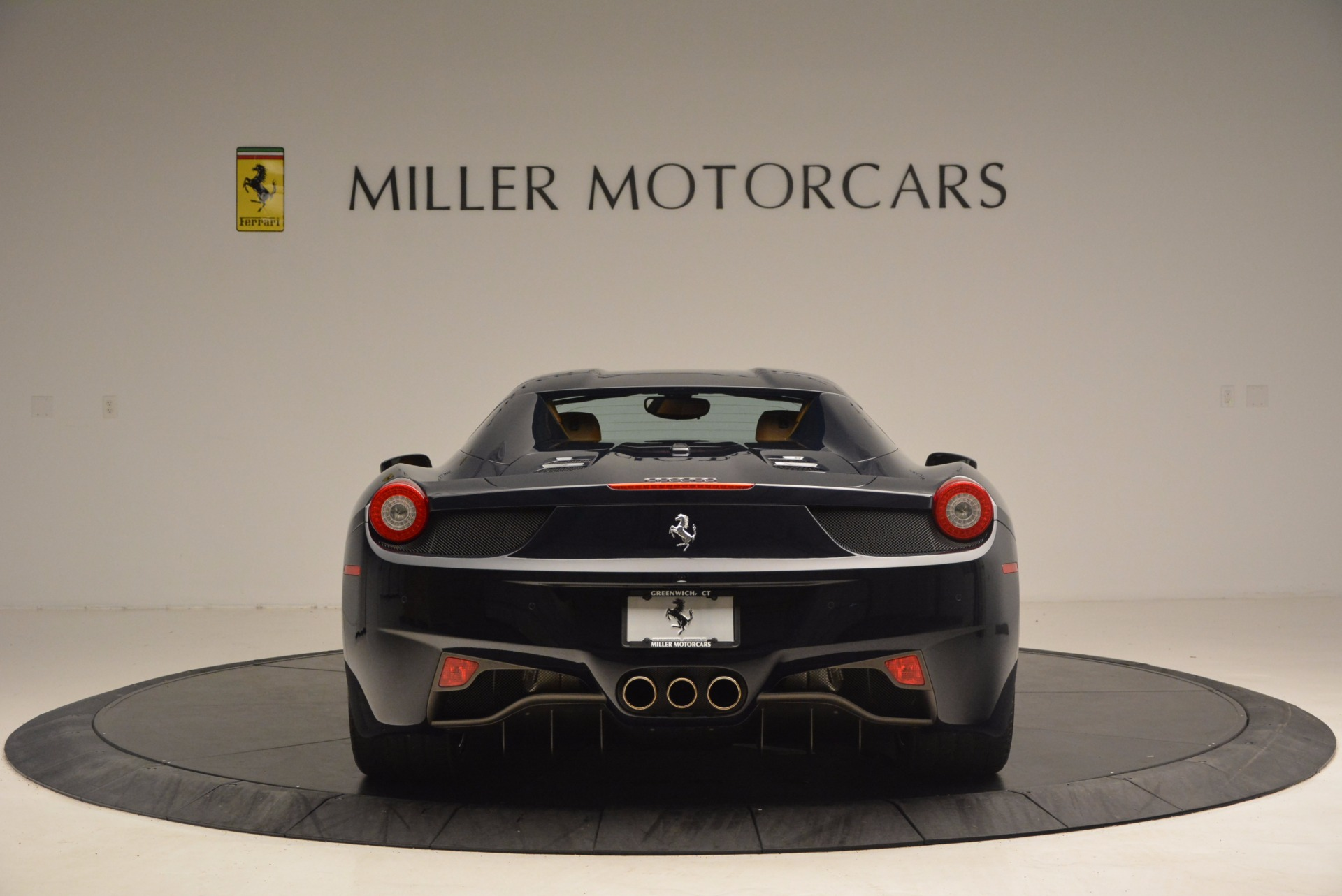 Used 2015 Ferrari 458 Spider  For Sale In Greenwich, CT 1477_p16