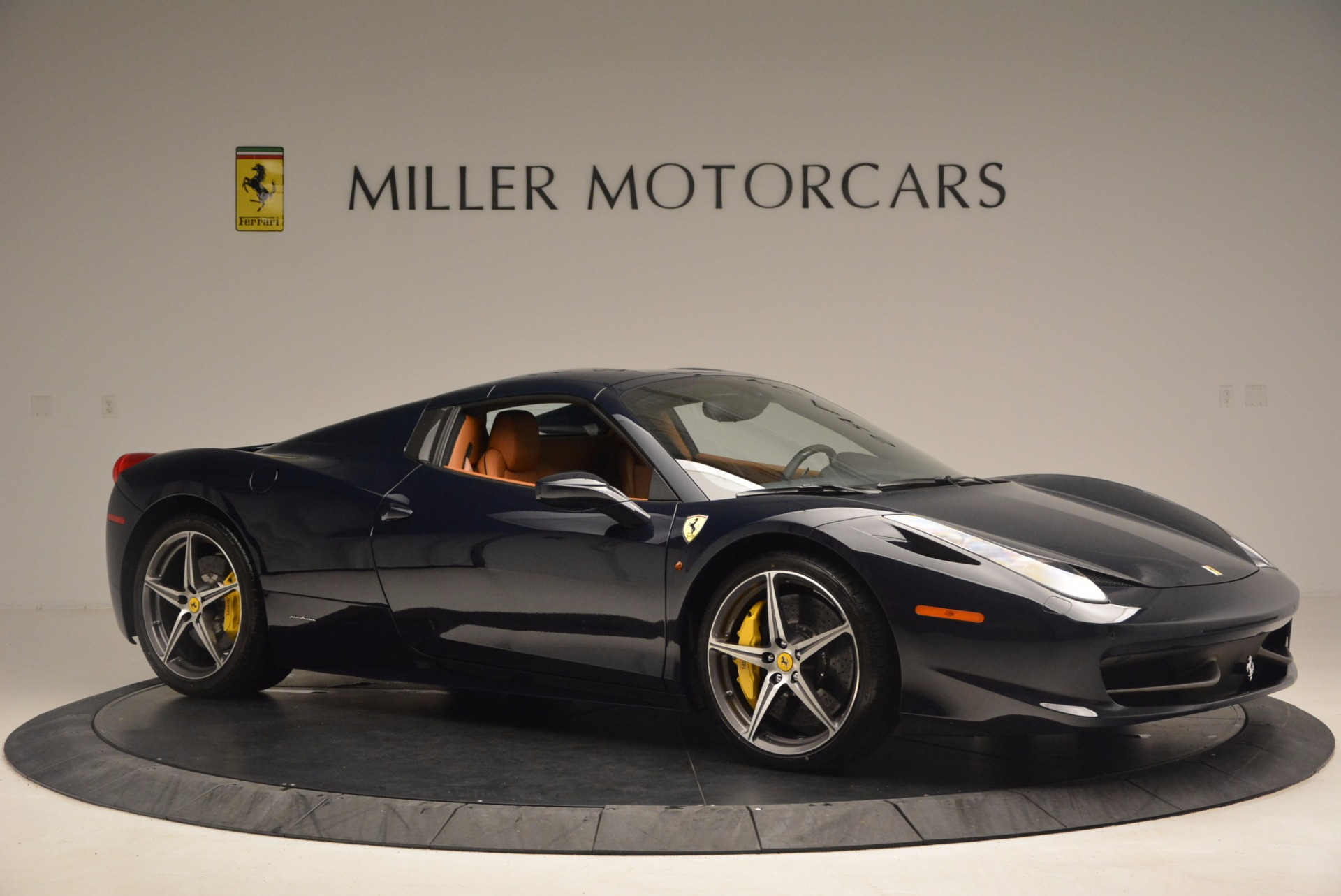 Used 2015 Ferrari 458 Spider  For Sale In Greenwich, CT 1477_p20