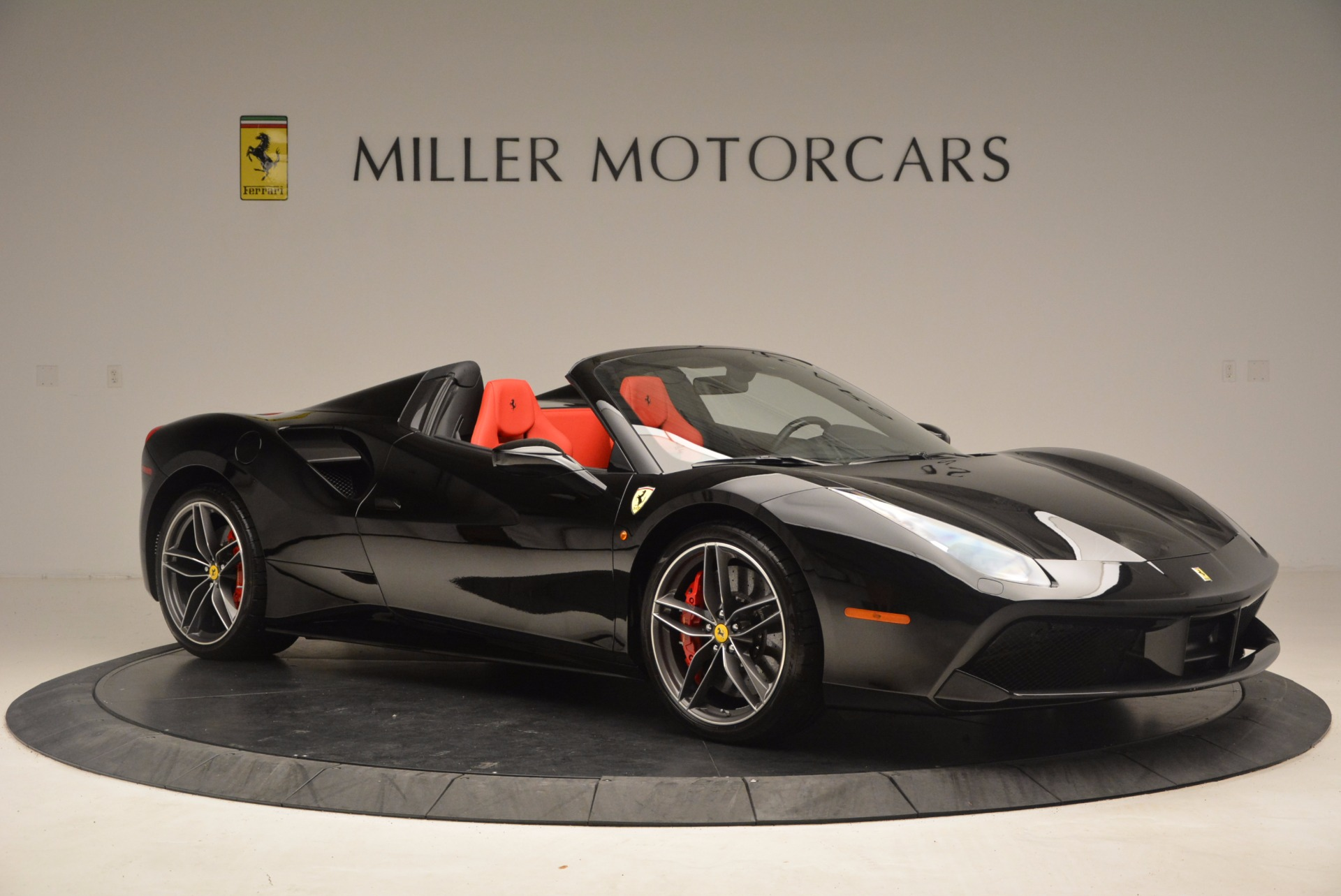 Used 2017 Ferrari 488 Spider  For Sale In Greenwich, CT 1479_p10