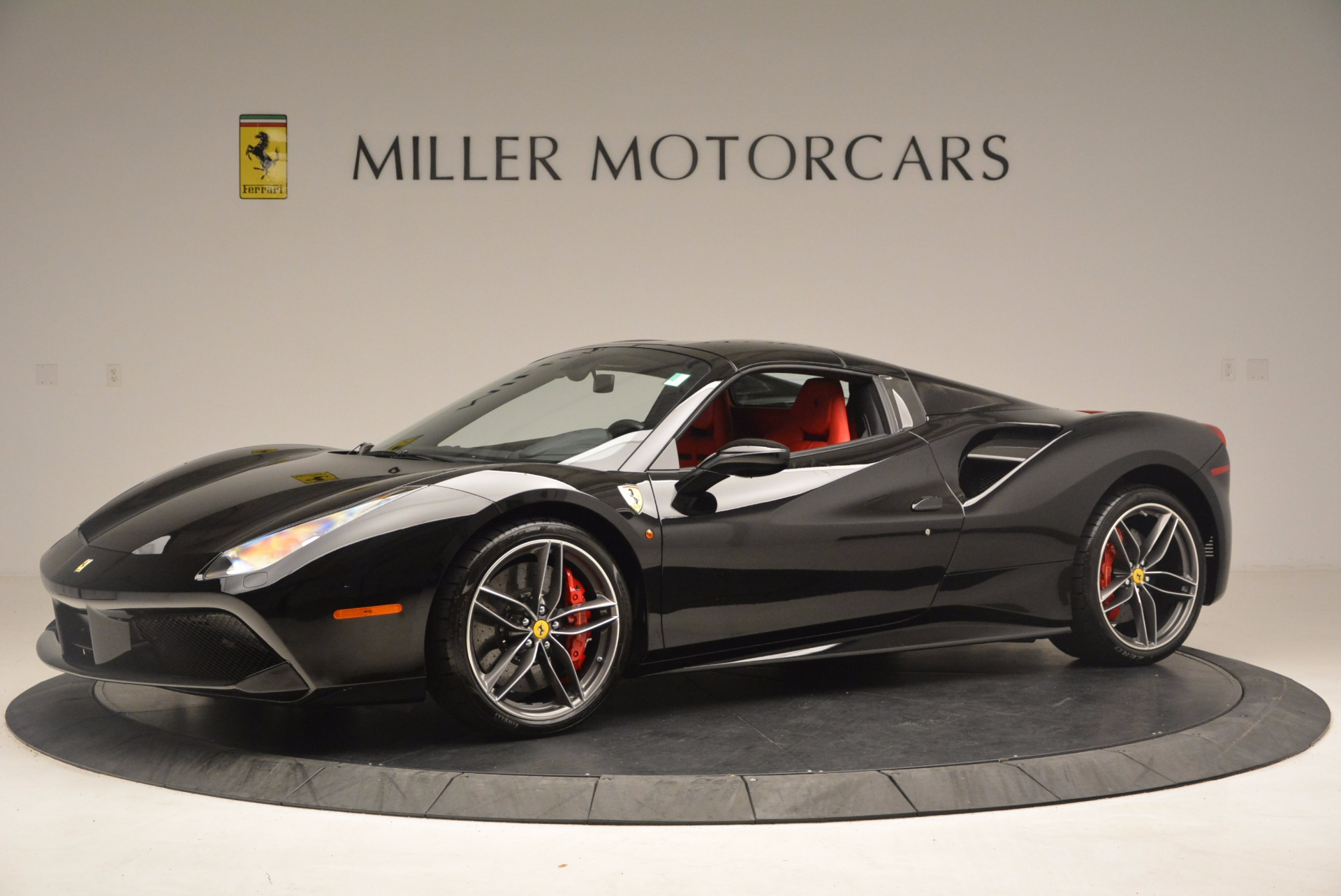 Used 2017 Ferrari 488 Spider  For Sale In Greenwich, CT 1479_p14