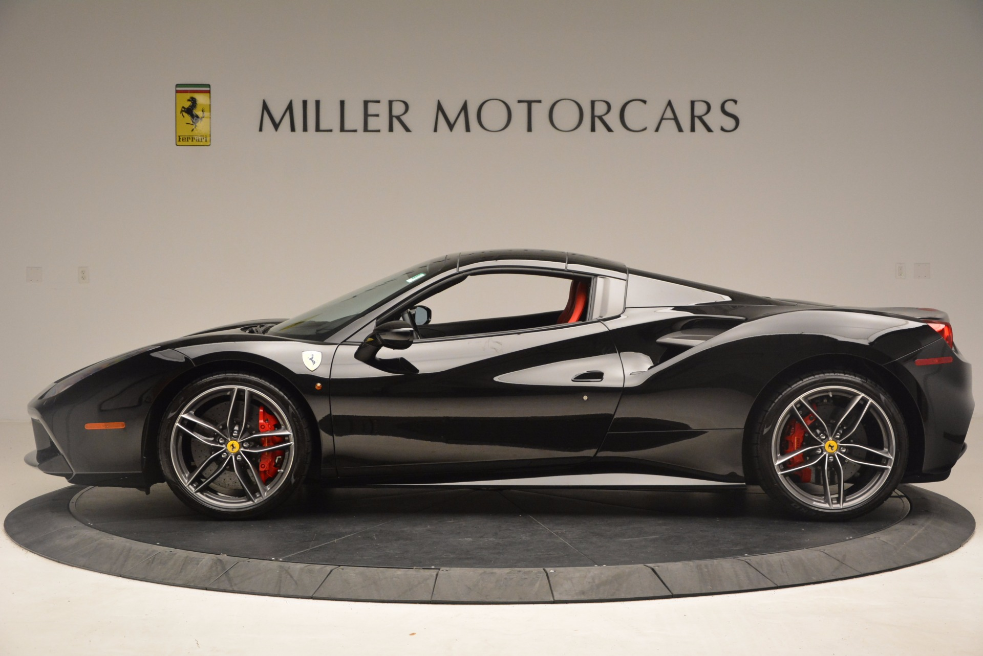 Used 2017 Ferrari 488 Spider  For Sale In Greenwich, CT 1479_p15