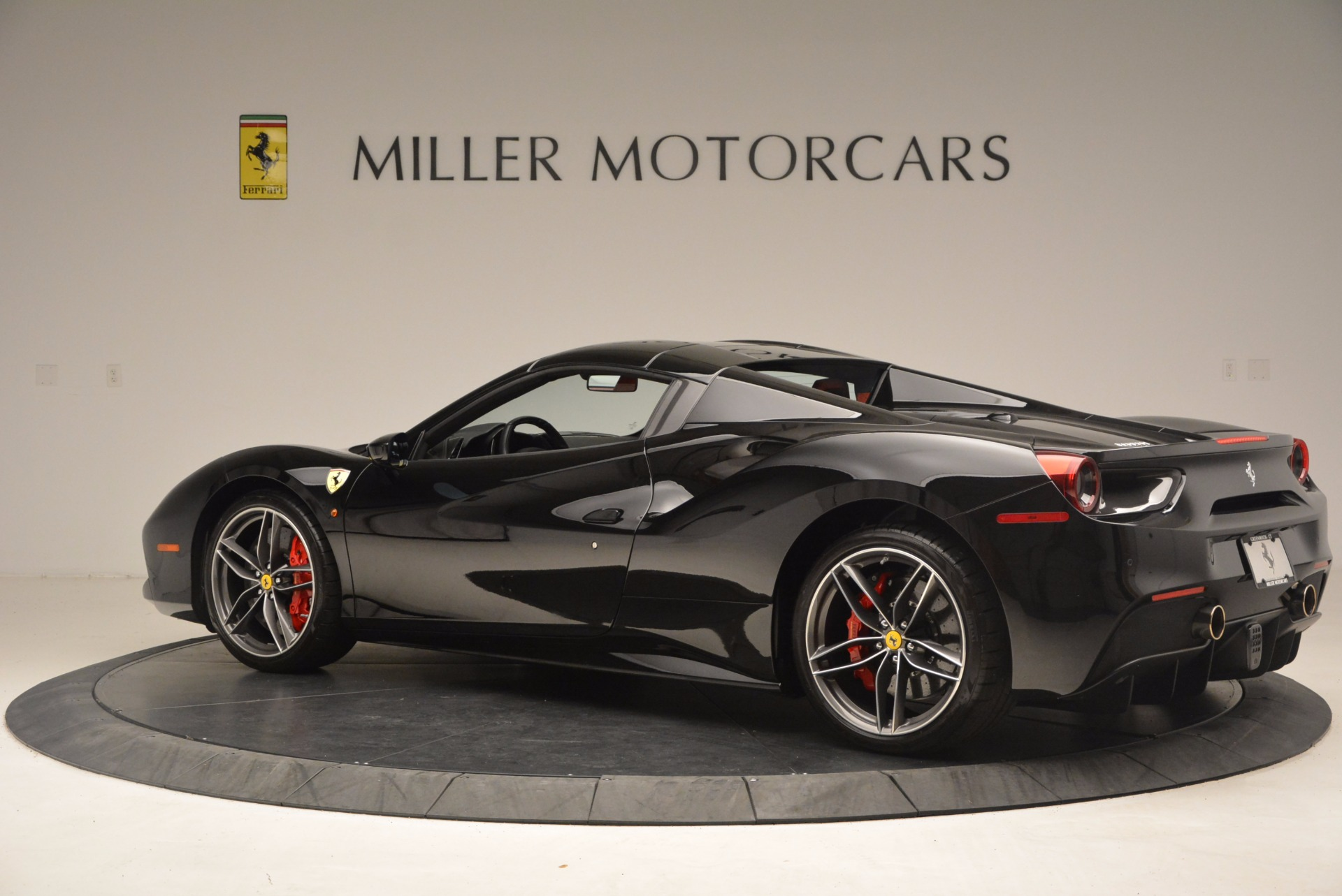 Used 2017 Ferrari 488 Spider  For Sale In Greenwich, CT 1479_p16