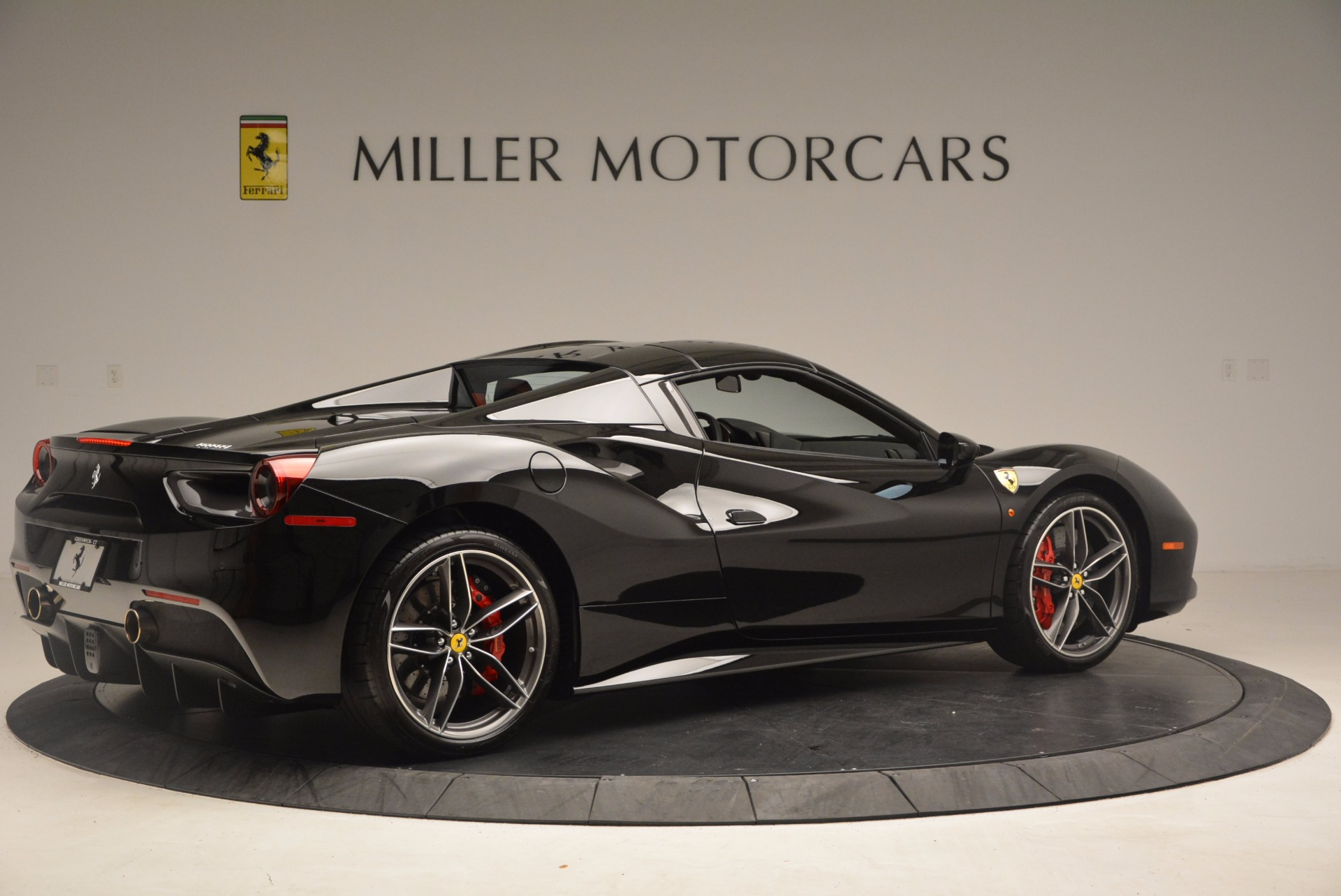 Used 2017 Ferrari 488 Spider  For Sale In Greenwich, CT 1479_p19