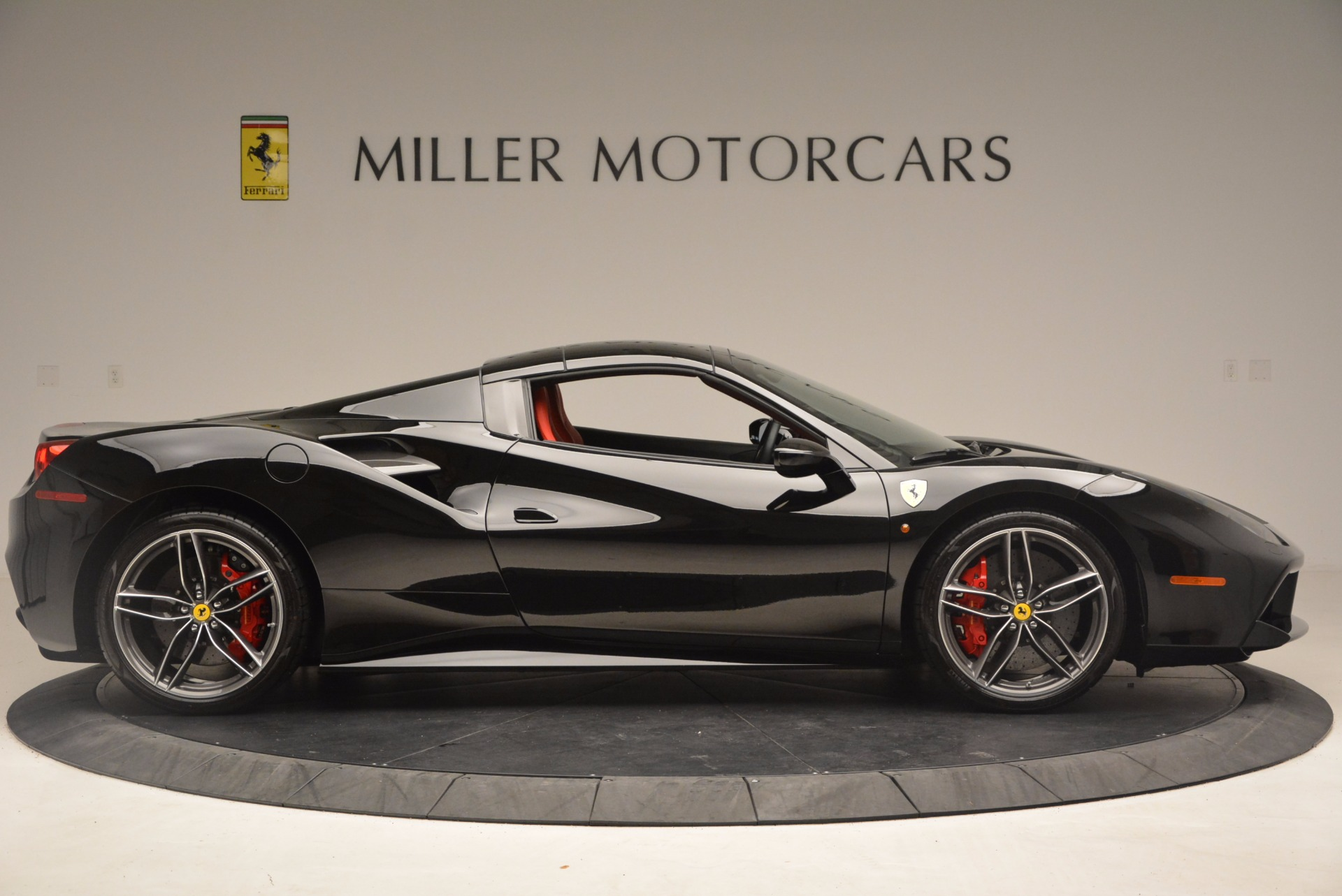 Used 2017 Ferrari 488 Spider  For Sale In Greenwich, CT 1479_p20