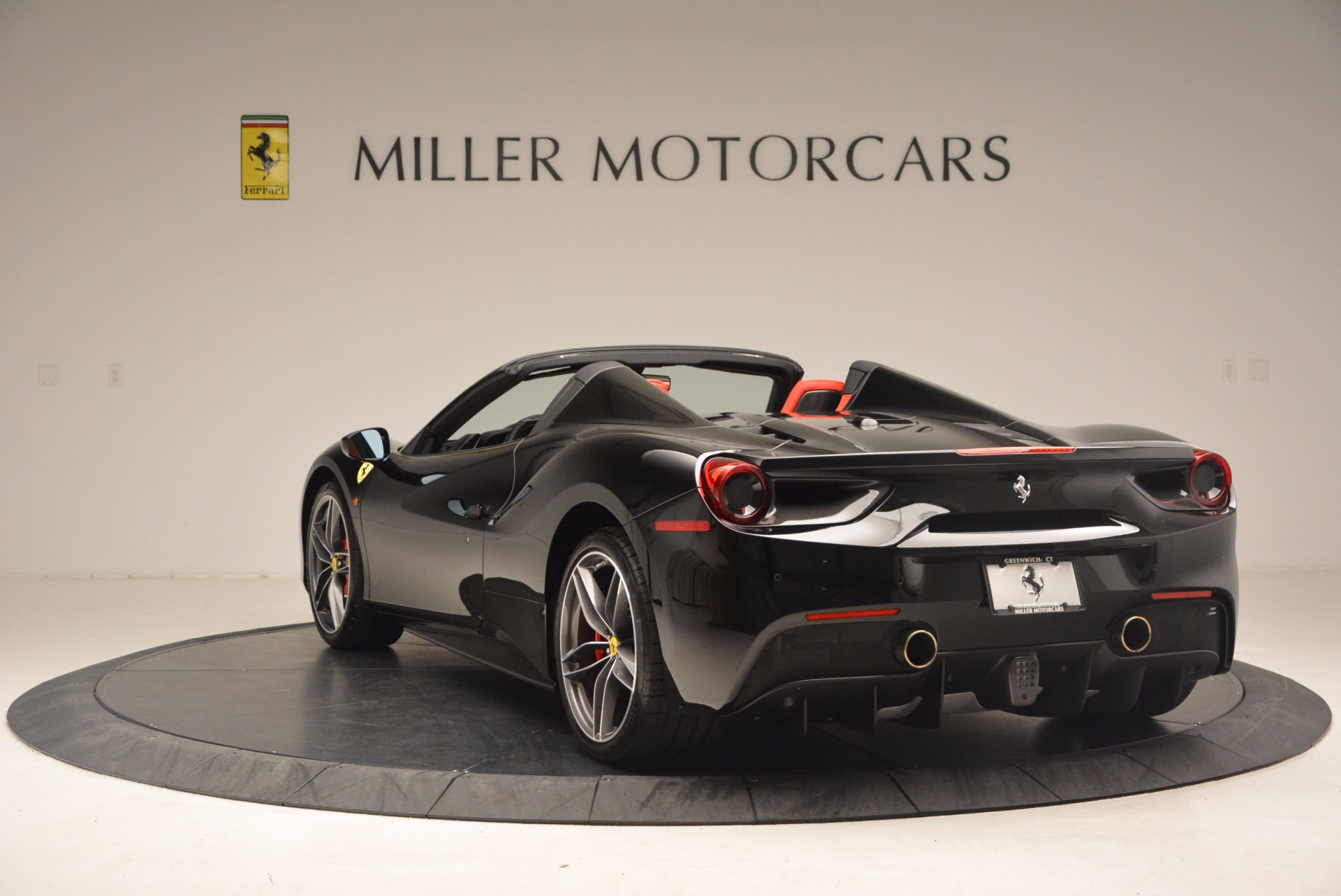 Used 2017 Ferrari 488 Spider  For Sale In Greenwich, CT 1479_p5