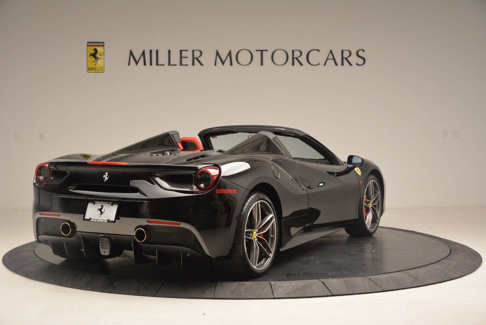 Used 2017 Ferrari 488 Spider  For Sale In Greenwich, CT 1479_p7