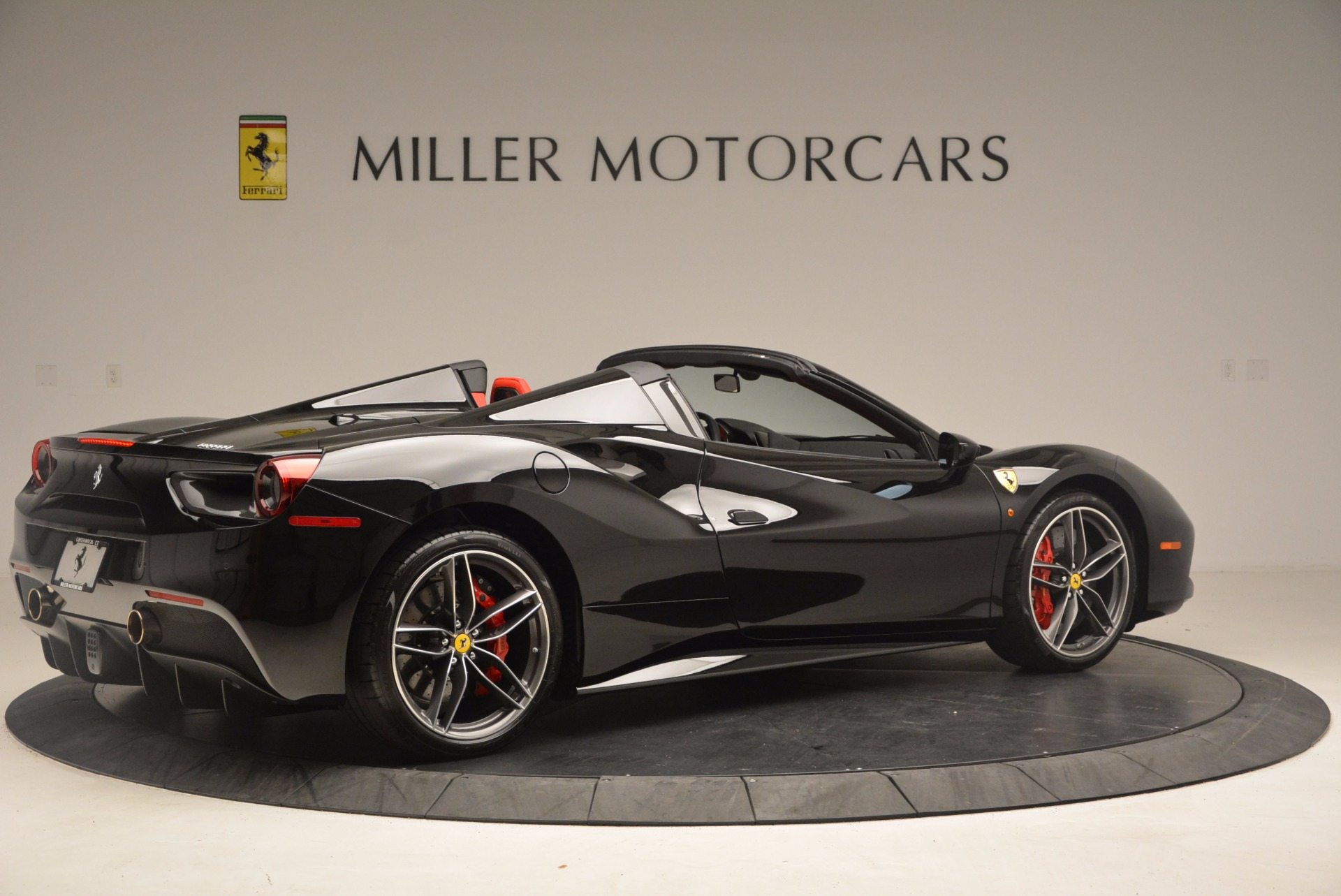 Used 2017 Ferrari 488 Spider  For Sale In Greenwich, CT 1479_p8