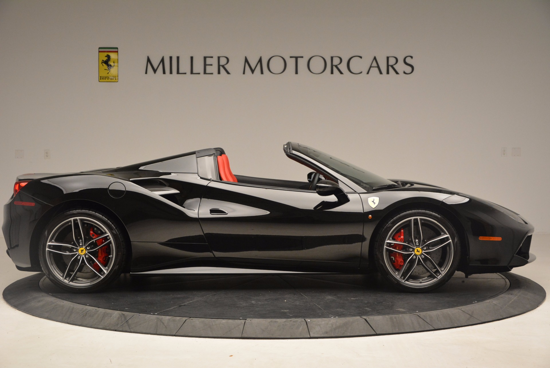Used 2017 Ferrari 488 Spider  For Sale In Greenwich, CT 1479_p9