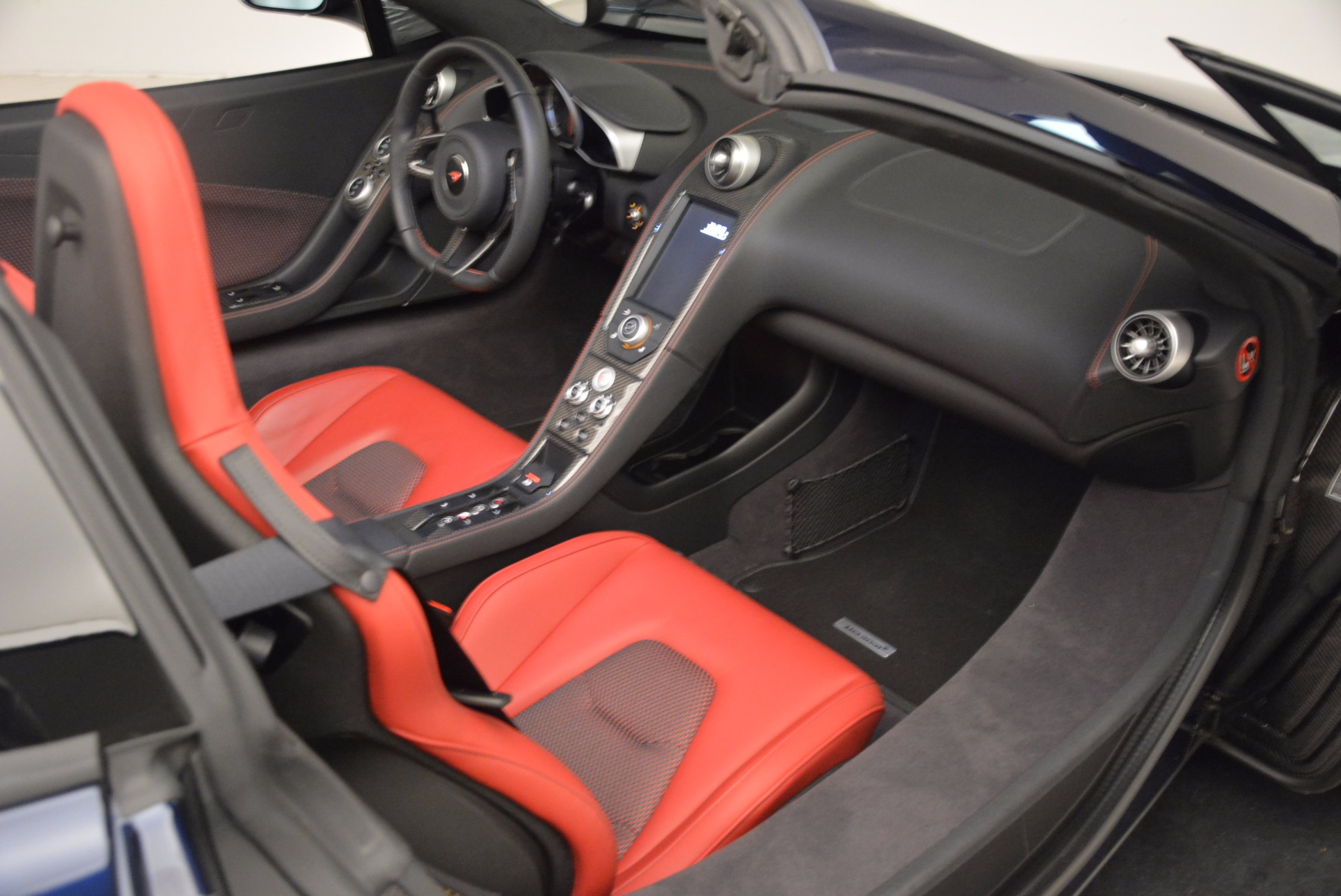 Used 2015 McLaren 650S Spider  For Sale In Greenwich, CT 1480_p31