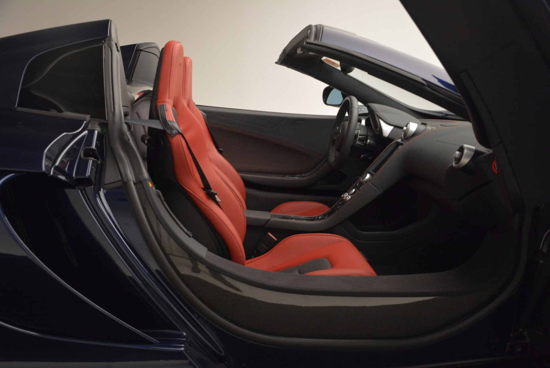 Used 2015 McLaren 650S Spider  For Sale In Greenwich, CT 1480_p32