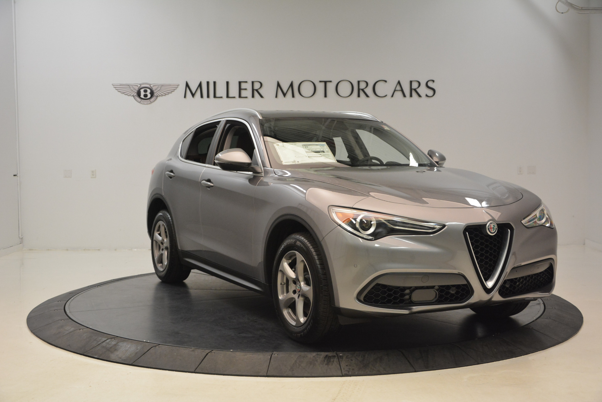 New 2018 Alfa Romeo Stelvio Q4 For Sale In Greenwich, CT 1491_p11