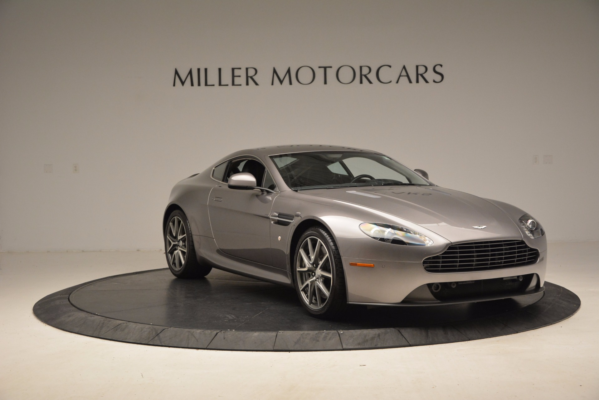 Used 2012 Aston Martin V8 Vantage  For Sale In Greenwich, CT 1497_p11