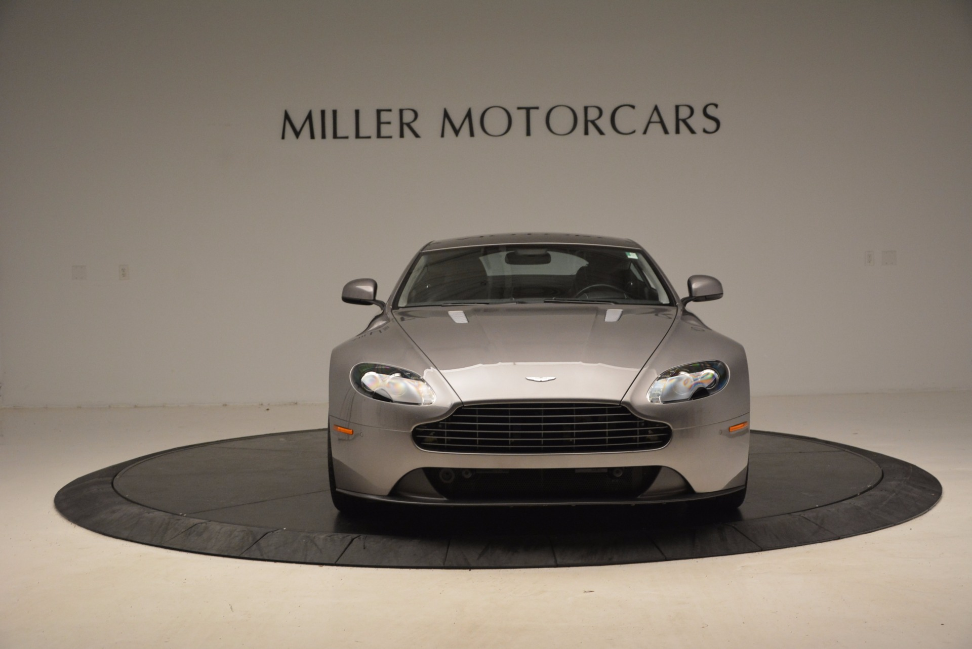 Used 2012 Aston Martin V8 Vantage  For Sale In Greenwich, CT 1497_p12