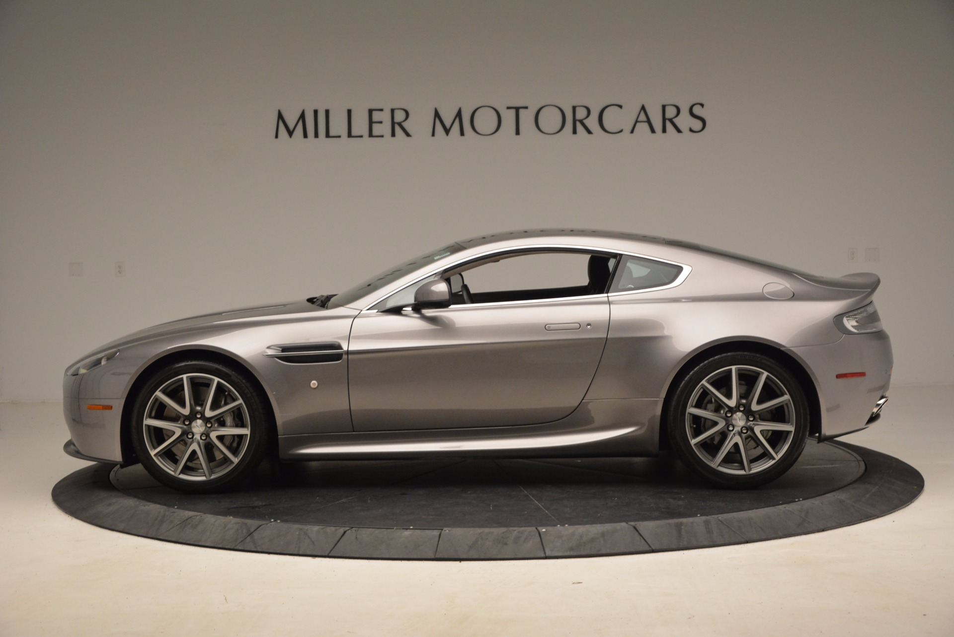 Used 2012 Aston Martin V8 Vantage  For Sale In Greenwich, CT 1497_p3
