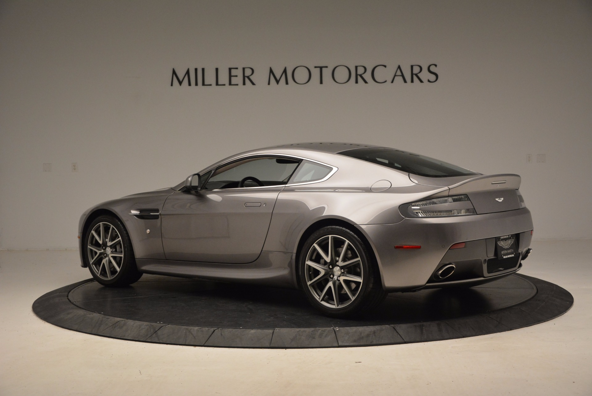 Used 2012 Aston Martin V8 Vantage  For Sale In Greenwich, CT 1497_p4