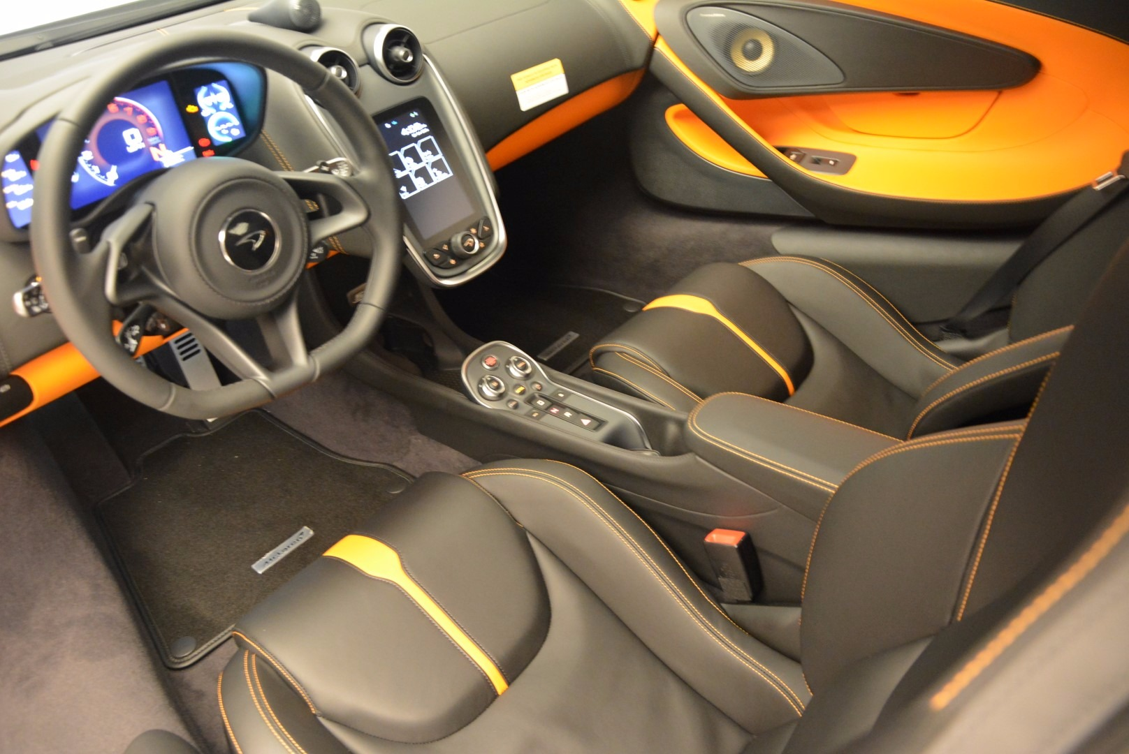 Used 2016 McLaren 570S  For Sale In Greenwich, CT 1498_p15