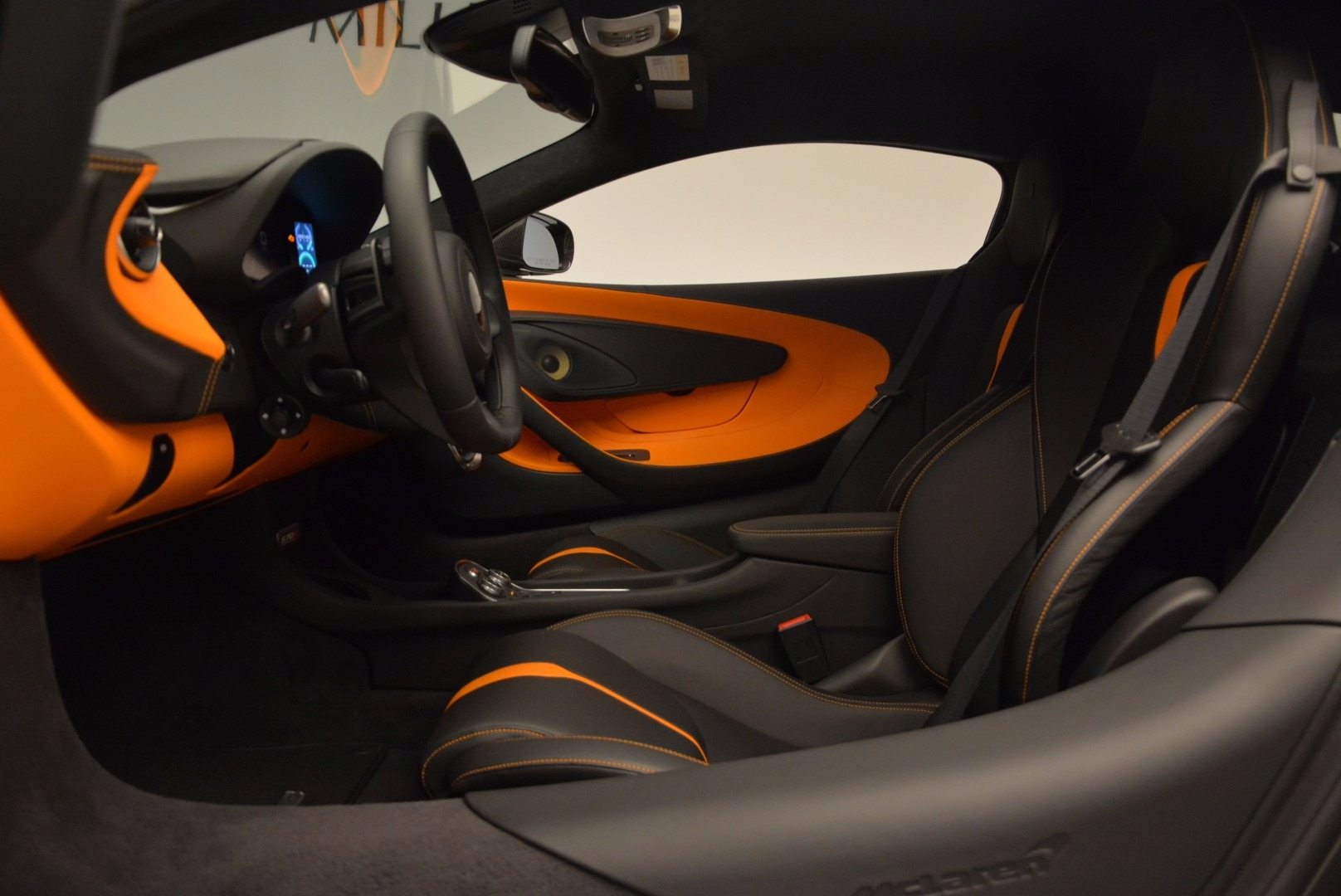 Used 2016 McLaren 570S  For Sale In Greenwich, CT 1498_p16