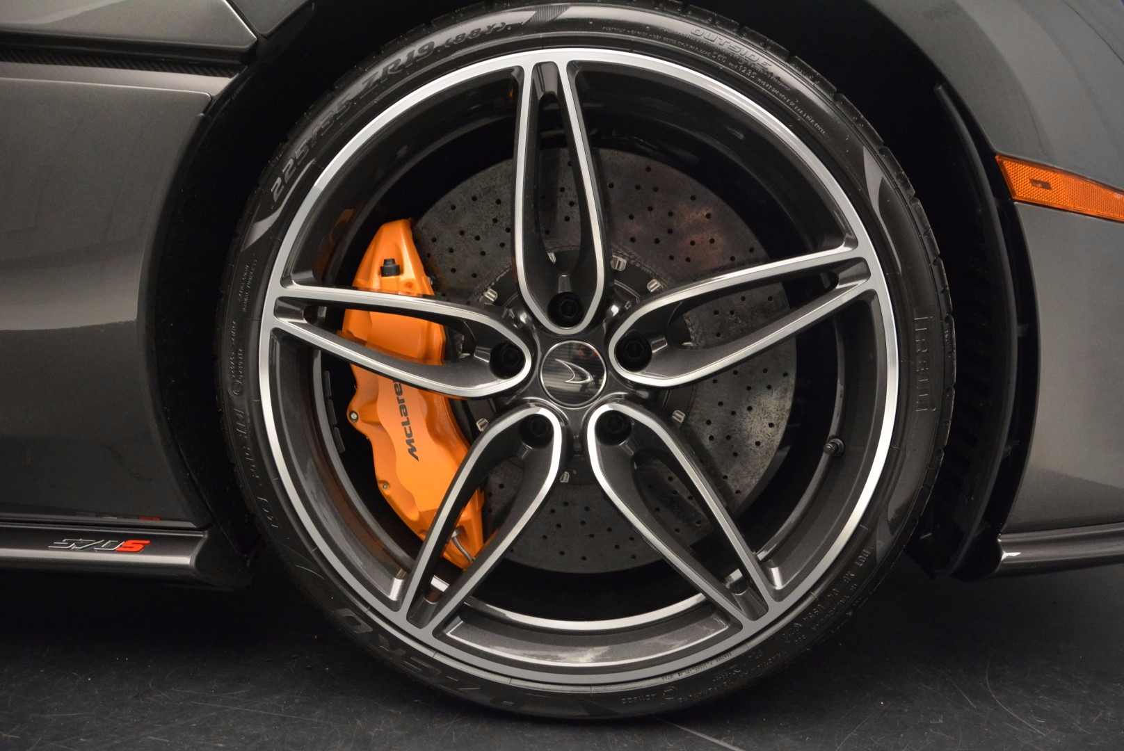 Used 2016 McLaren 570S  For Sale In Greenwich, CT 1498_p23