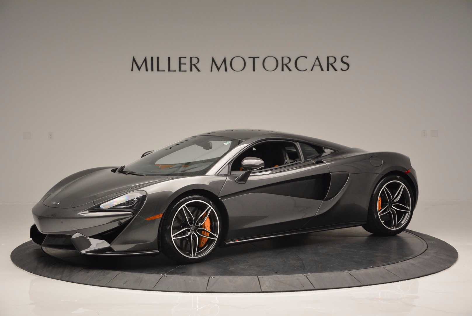 Used 2016 McLaren 570S  For Sale In Greenwich, CT 1498_p2