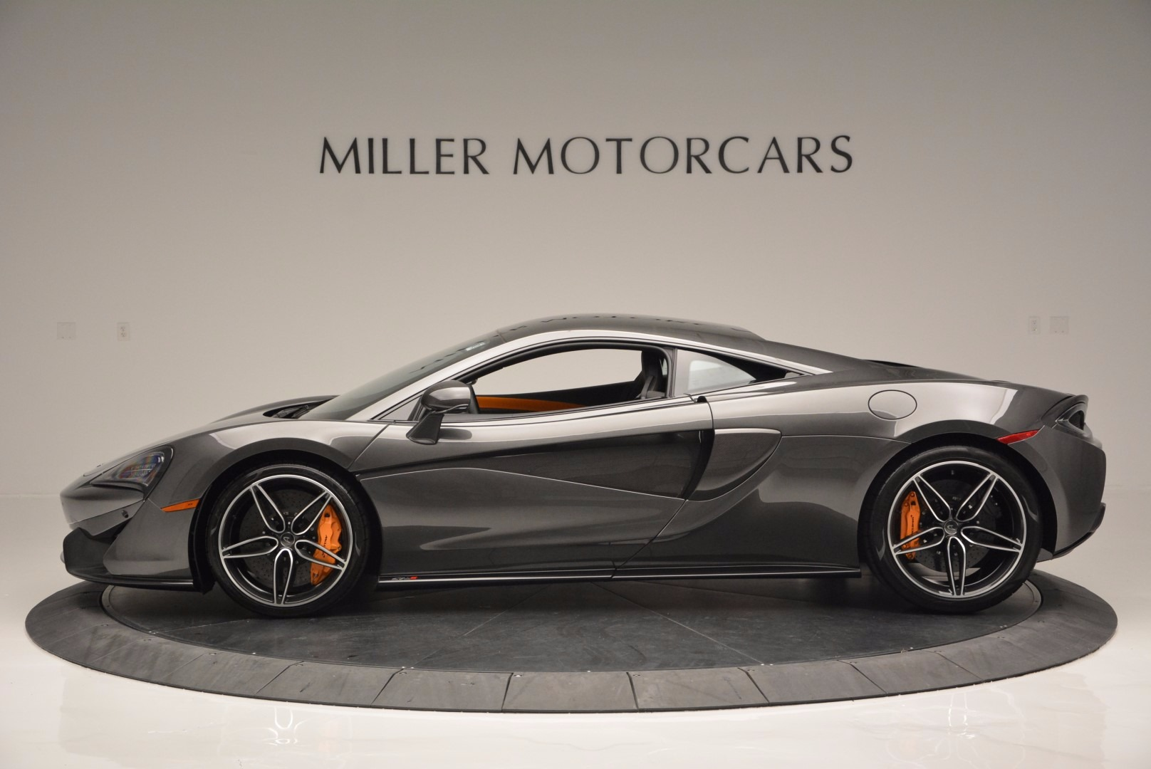 Used 2016 McLaren 570S  For Sale In Greenwich, CT 1498_p3