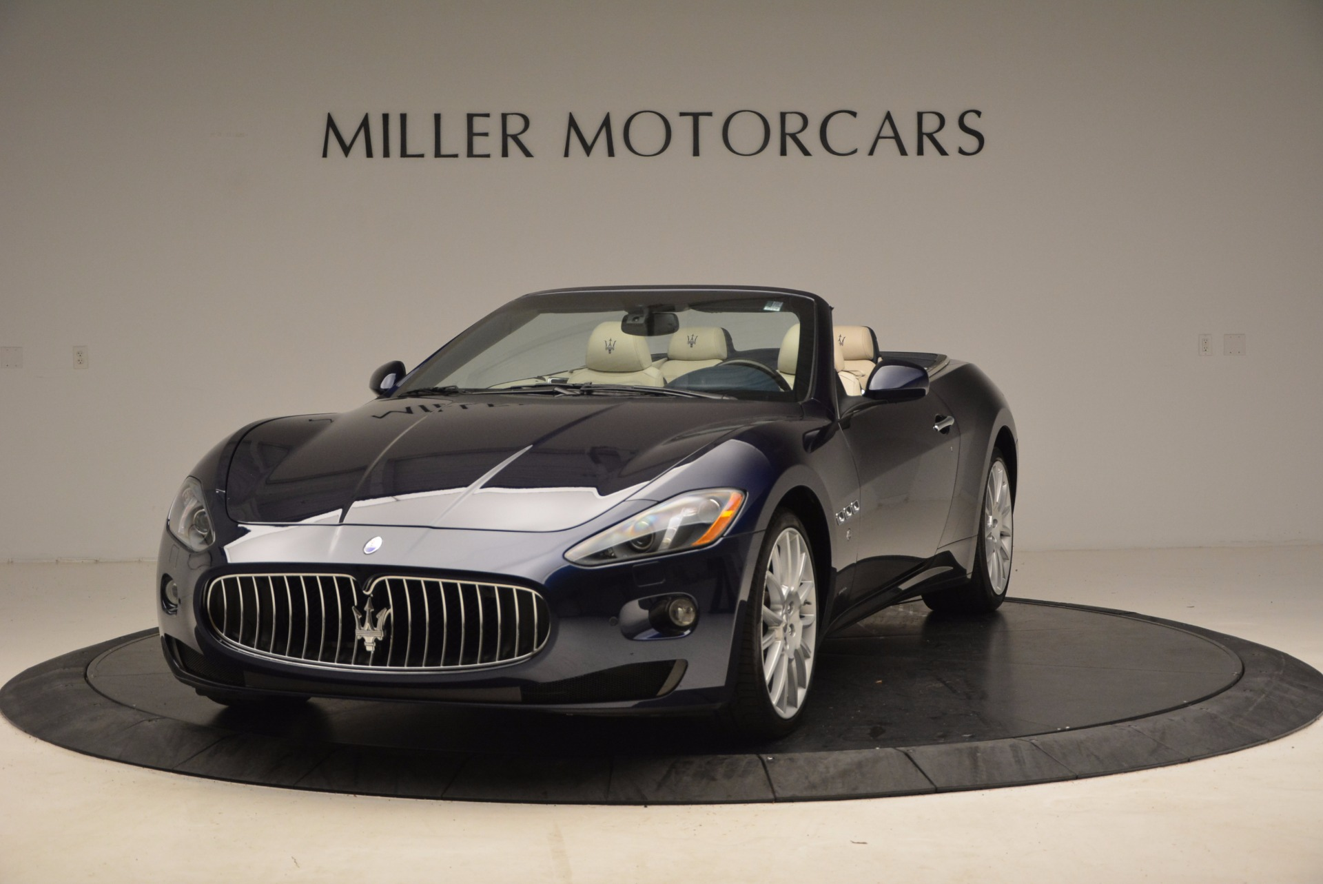 Used 2016 Maserati GranTurismo  For Sale In Greenwich, CT 1499_main