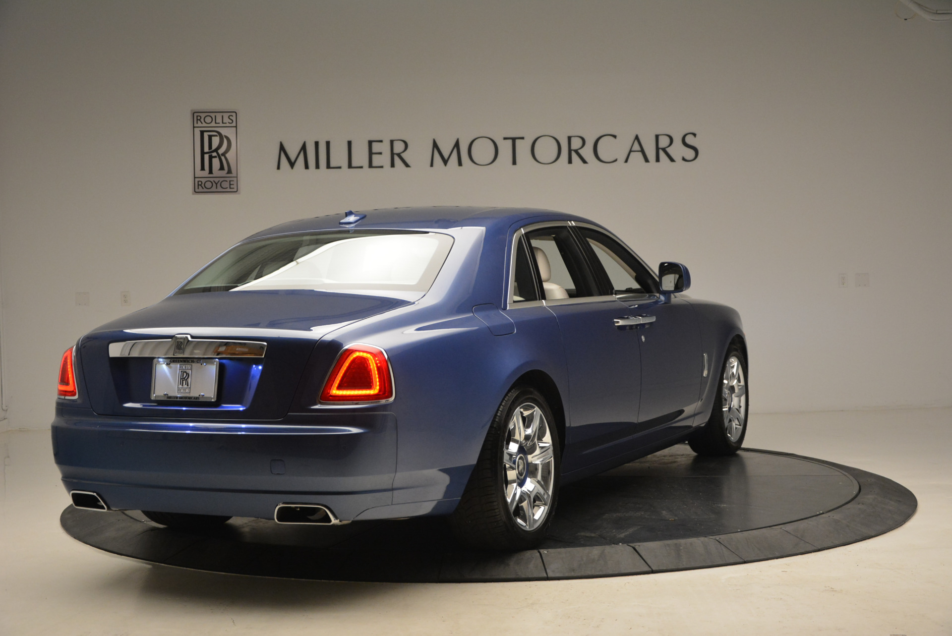 Used 2010 Rolls-Royce Ghost  For Sale In Greenwich, CT 1504_p9