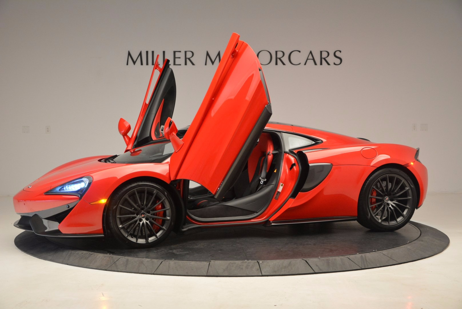 Used 2017 McLaren 570GT  For Sale In Greenwich, CT 1506_p14