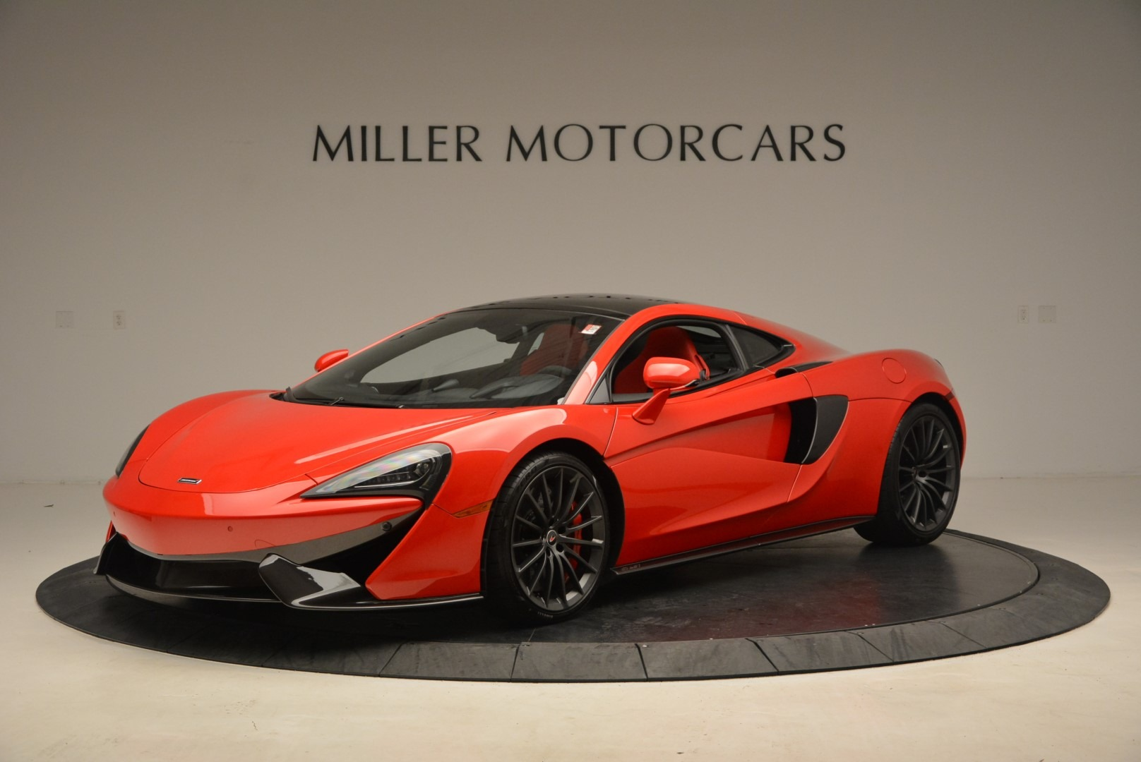 Used 2017 McLaren 570GT  For Sale In Greenwich, CT 1506_p2