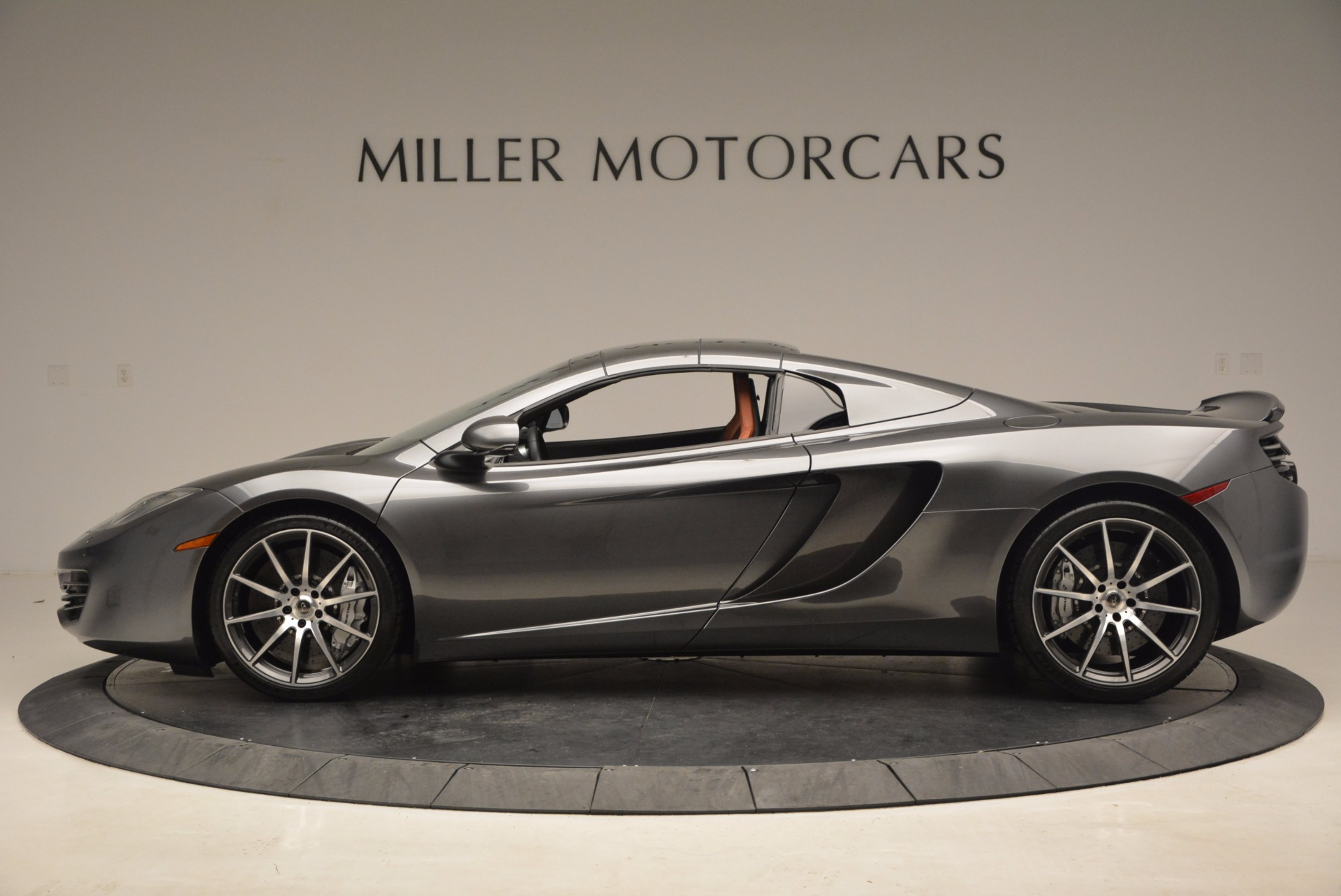 Used 2014 McLaren MP4-12C Convertible For Sale In Greenwich, CT 1510_p16