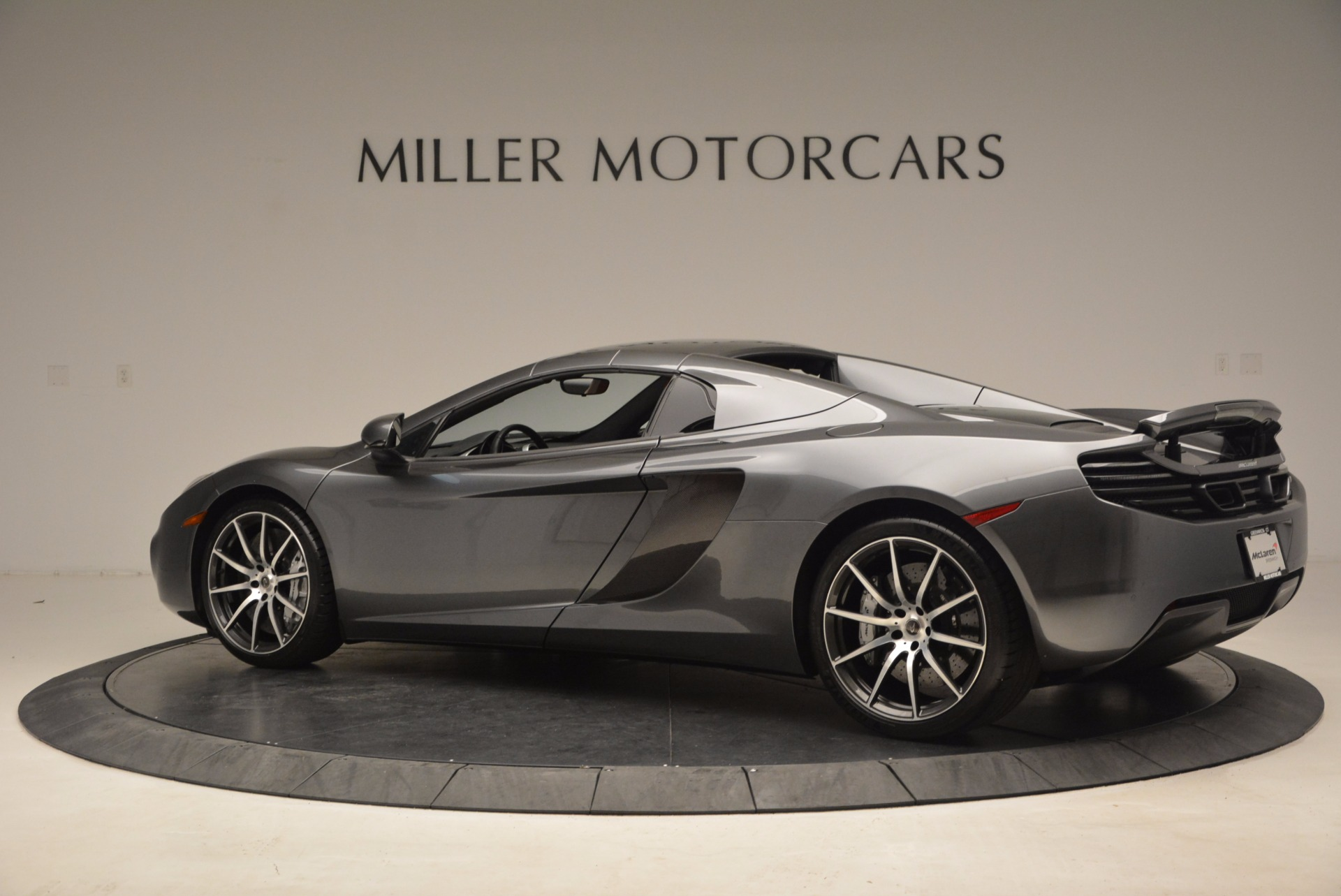 Used 2014 McLaren MP4-12C Convertible For Sale In Greenwich, CT 1510_p17
