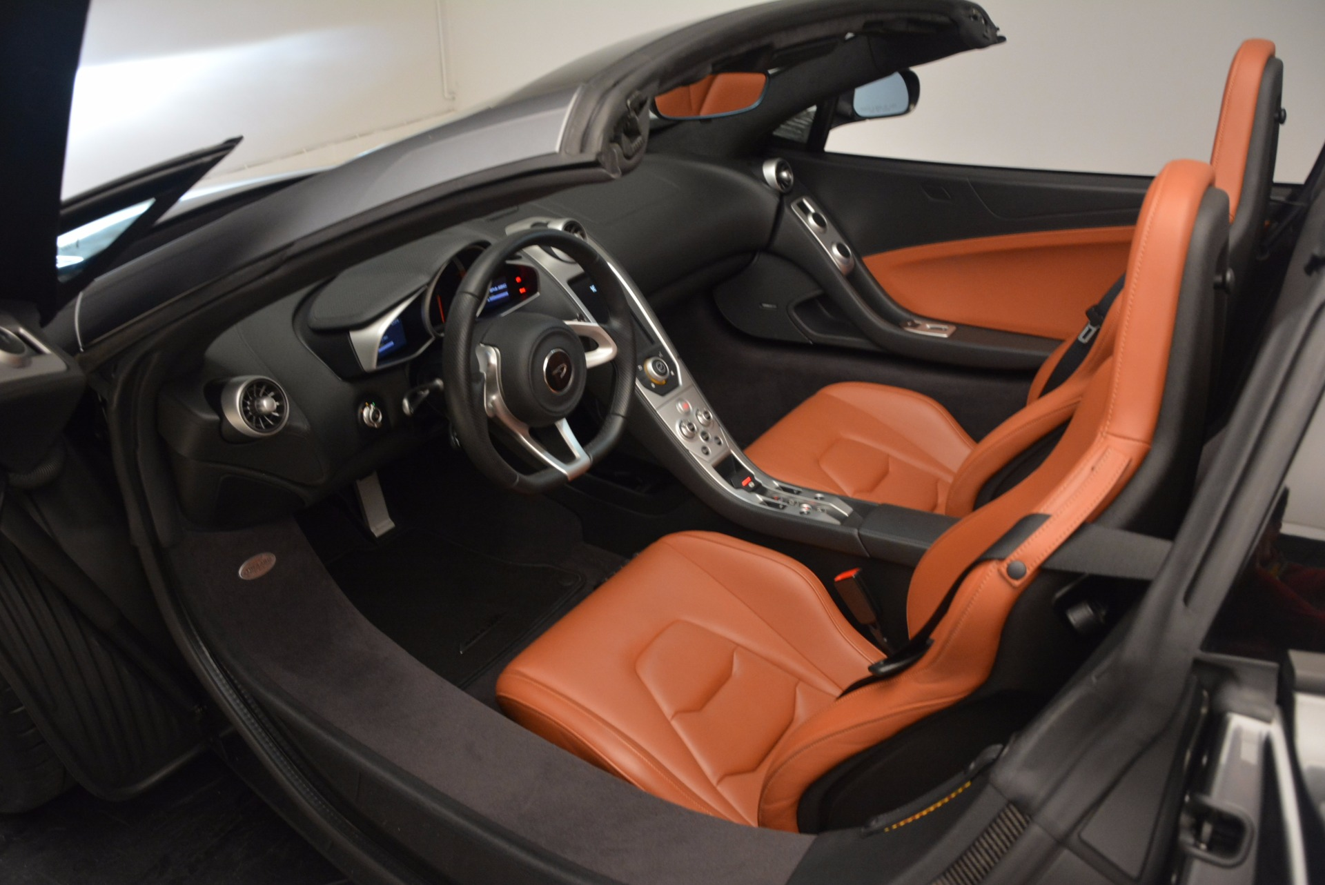 Used 2014 McLaren MP4-12C Convertible For Sale In Greenwich, CT 1510_p29