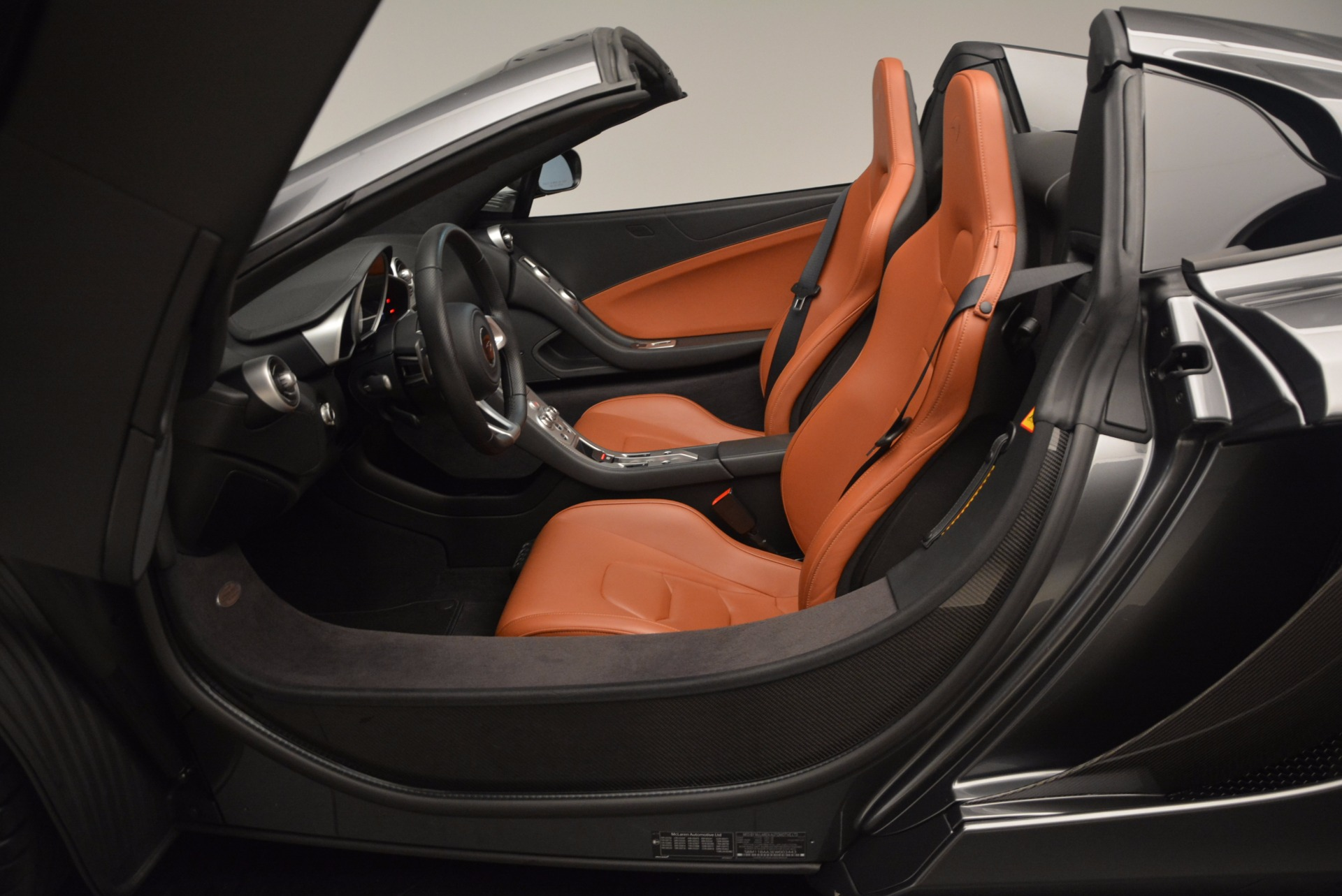 Used 2014 McLaren MP4-12C Convertible For Sale In Greenwich, CT 1510_p30