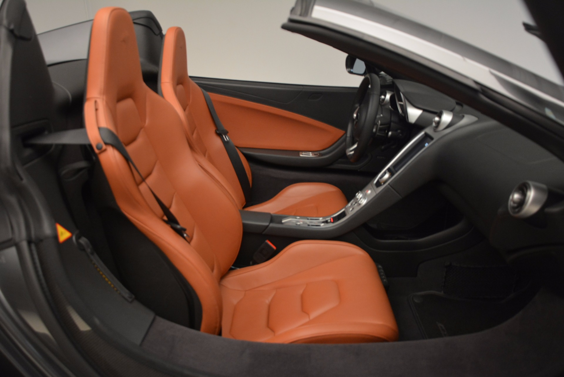 Used 2014 McLaren MP4-12C Convertible For Sale In Greenwich, CT 1510_p34
