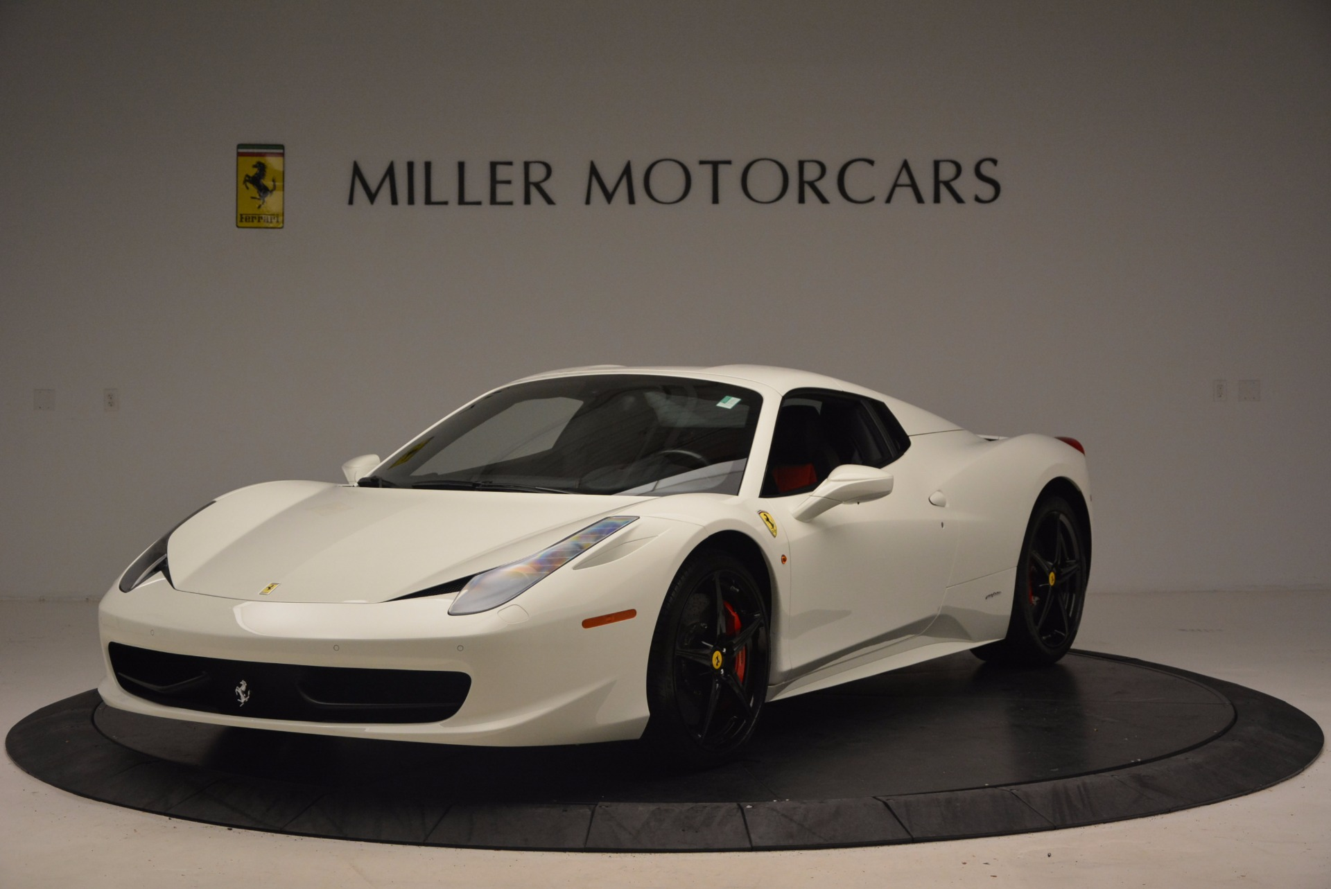 Used 2015 Ferrari 458 Spider  For Sale In Greenwich, CT 1534_p13